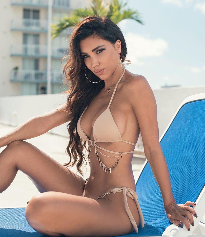 Metisha Schaefer Sexy 0049
