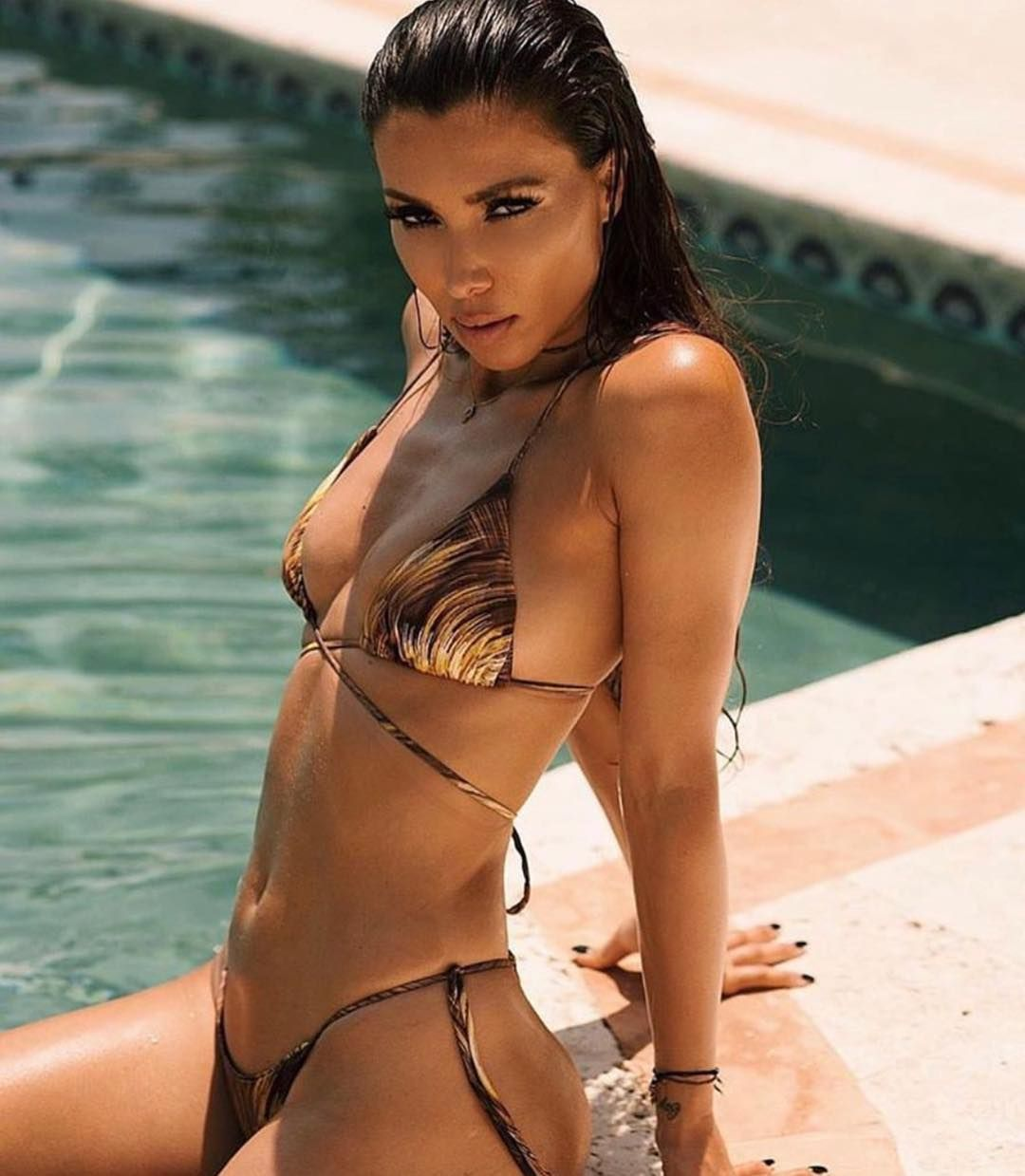 Metisha Schaefer Sexy 0104