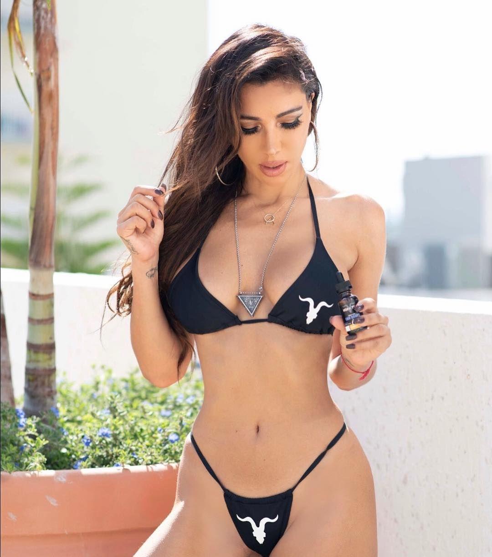 Metisha Schaefer Sexy 0106