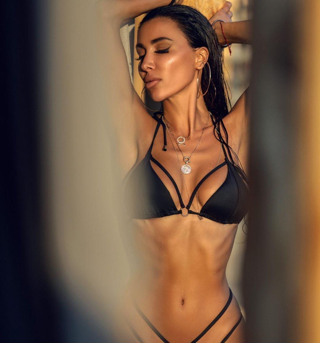 Metisha Schaefer Sexy 0140