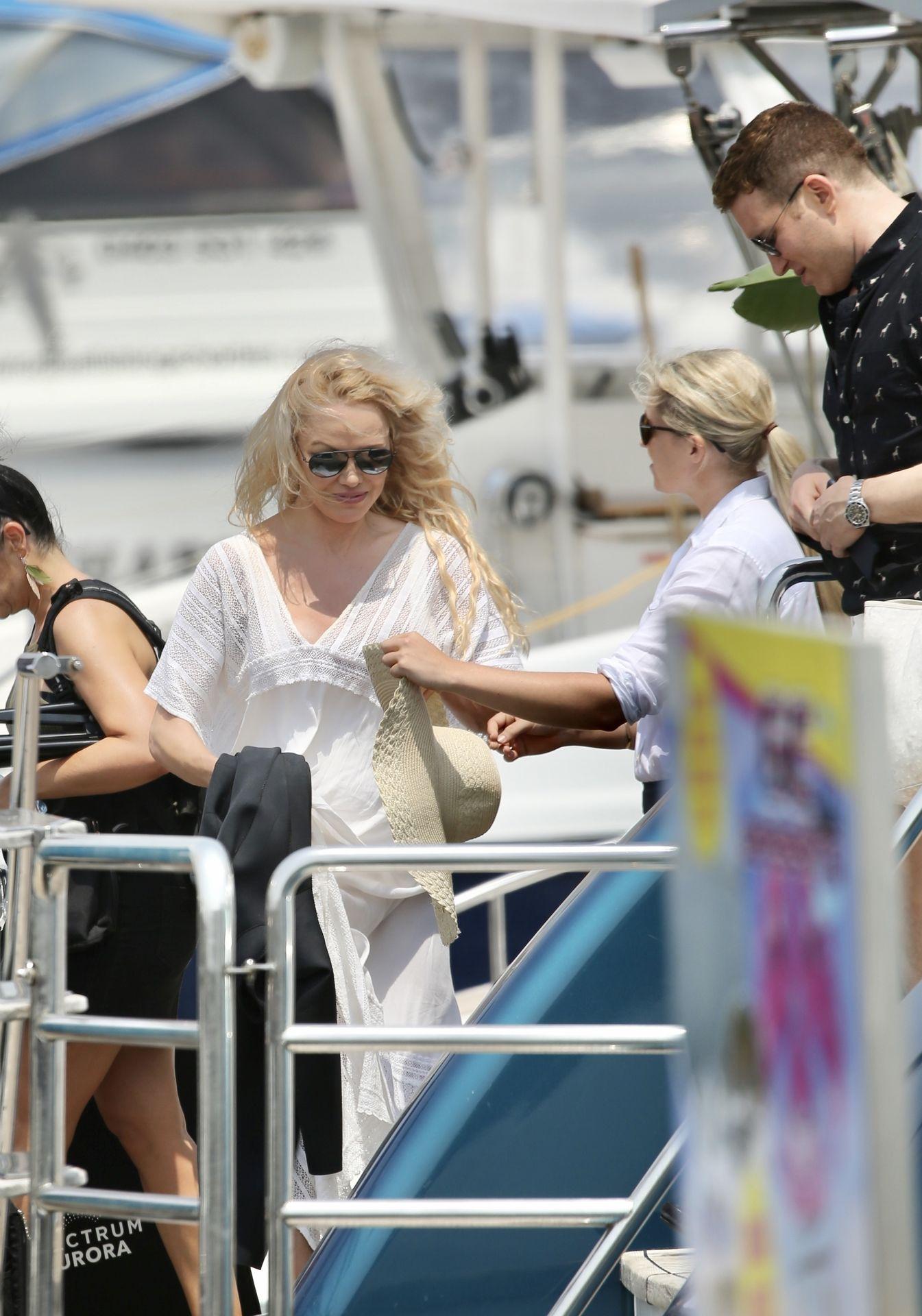 Pamela Anderson Sexy 0016