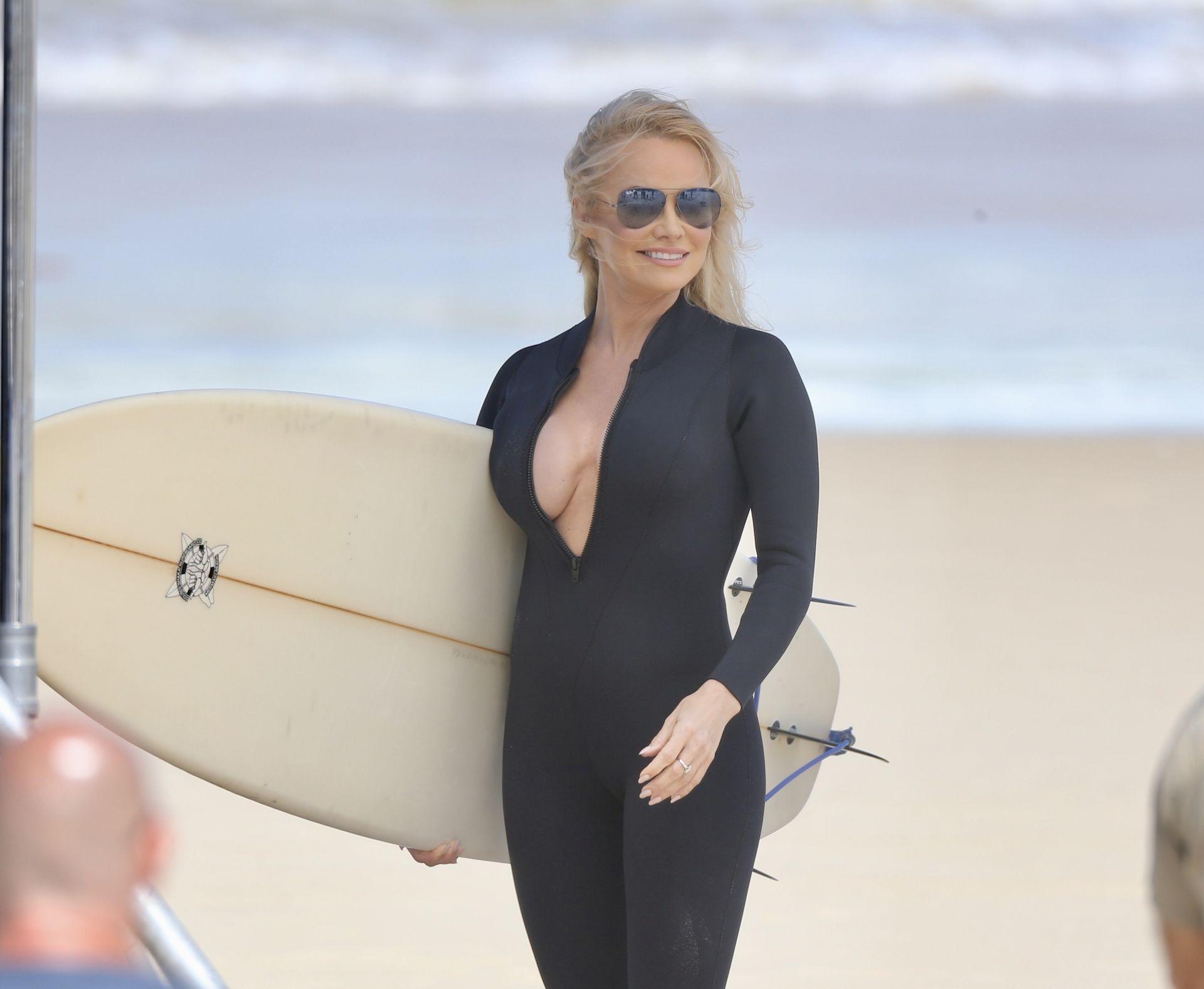 Pamela Anderson Sexy 0051
