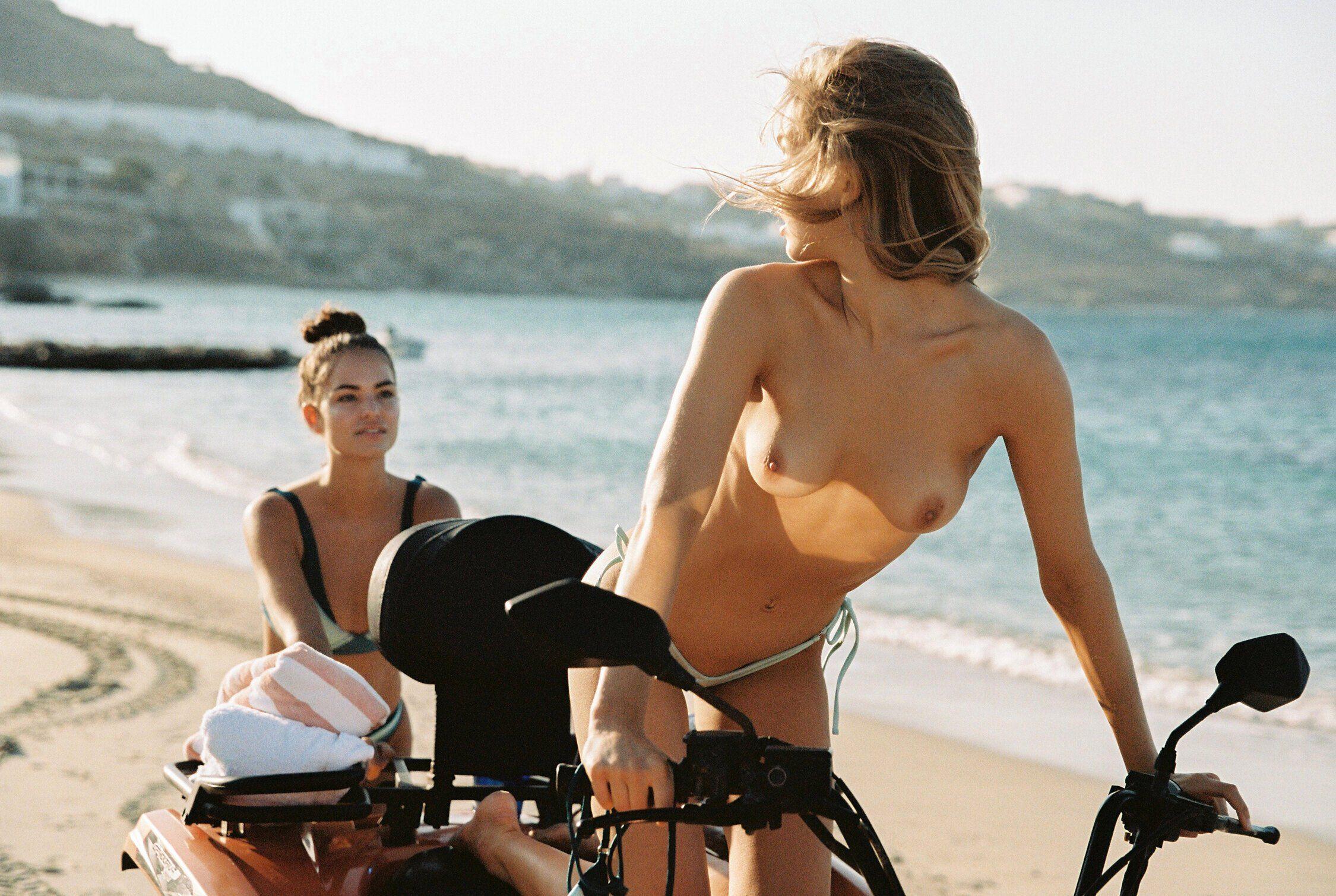 Robin Marjolein Holzken, Lotta Maybelake Nude & Sexy 0137