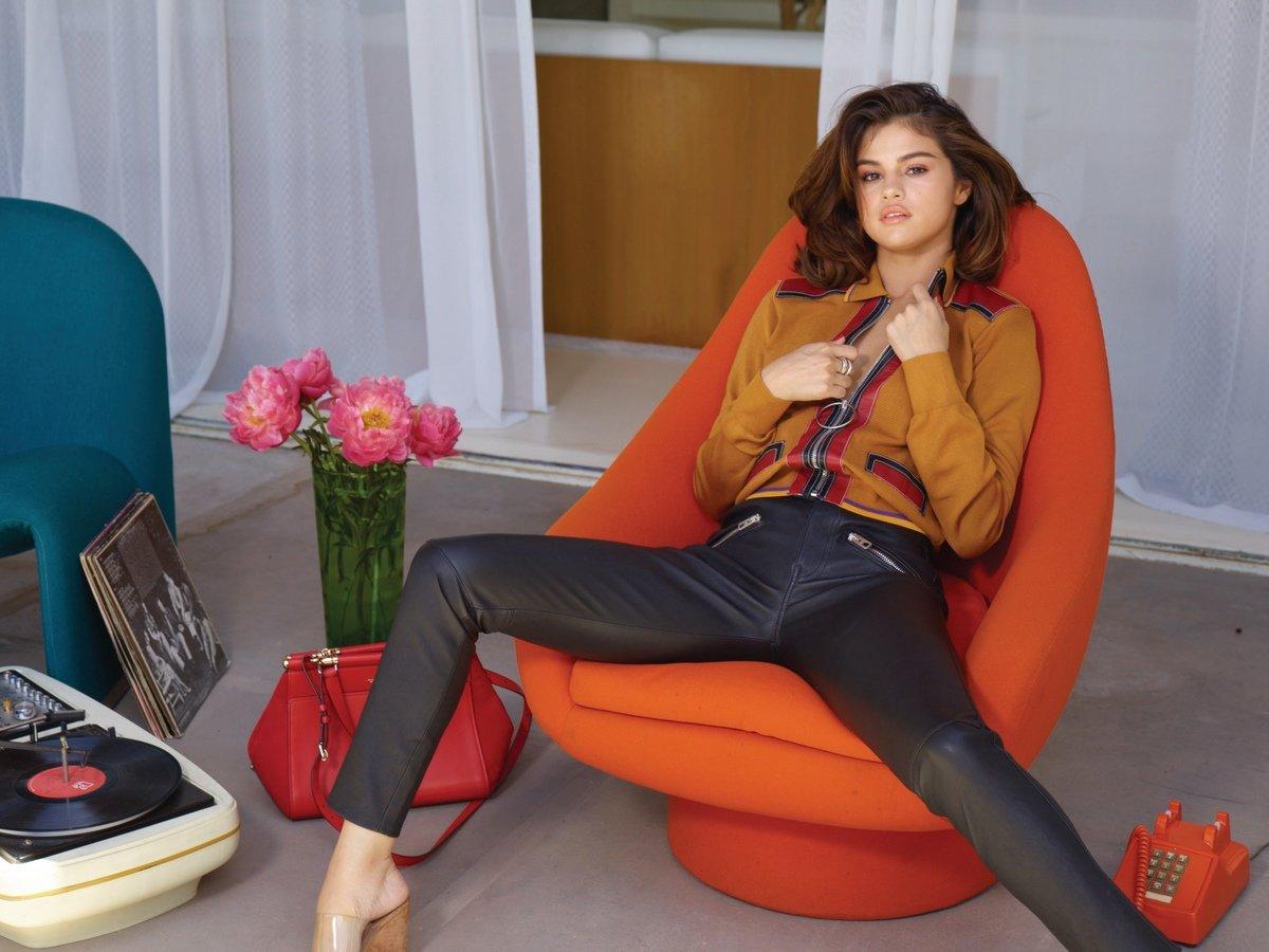 Selena Gomez Sexy 0054