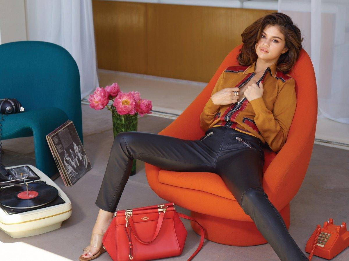 Selena Gomez Sexy 0055