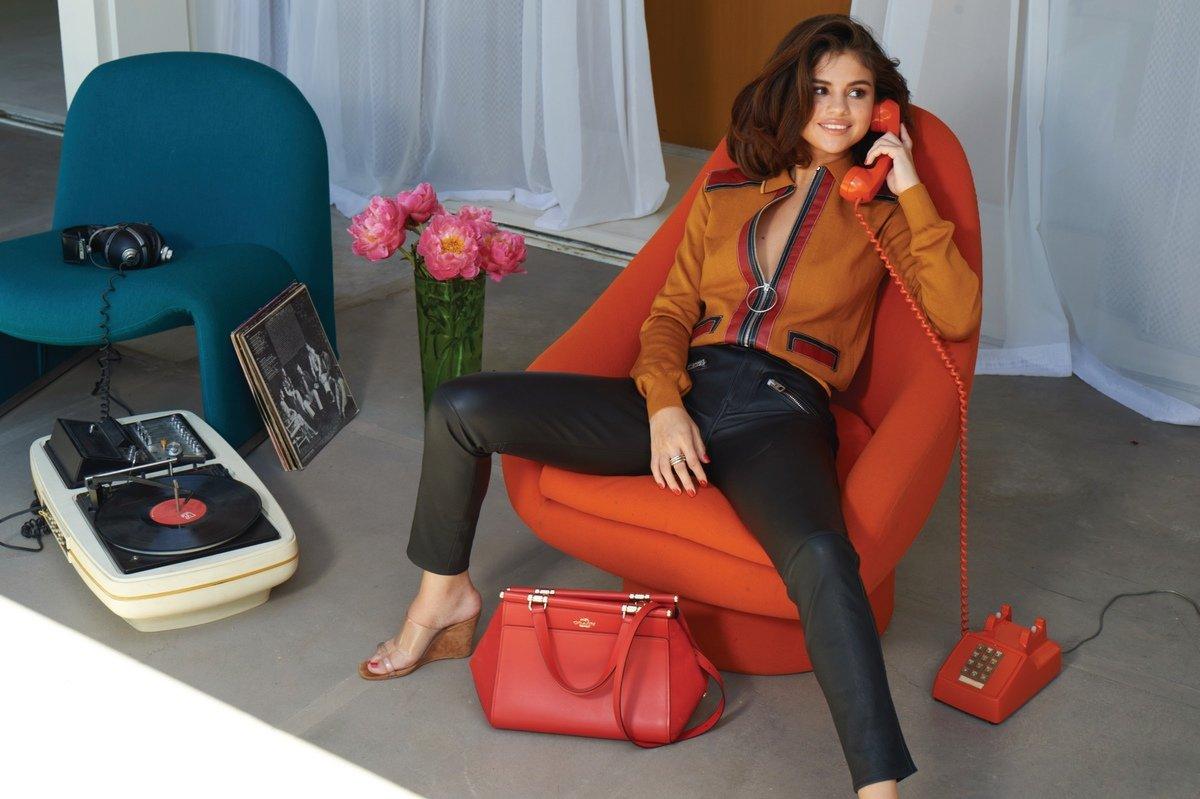 Selena Gomez Sexy 0057