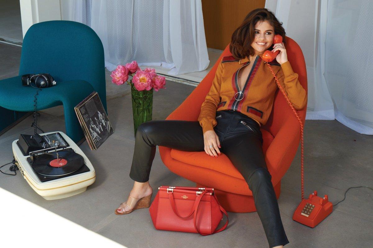 Selena Gomez Sexy 0059
