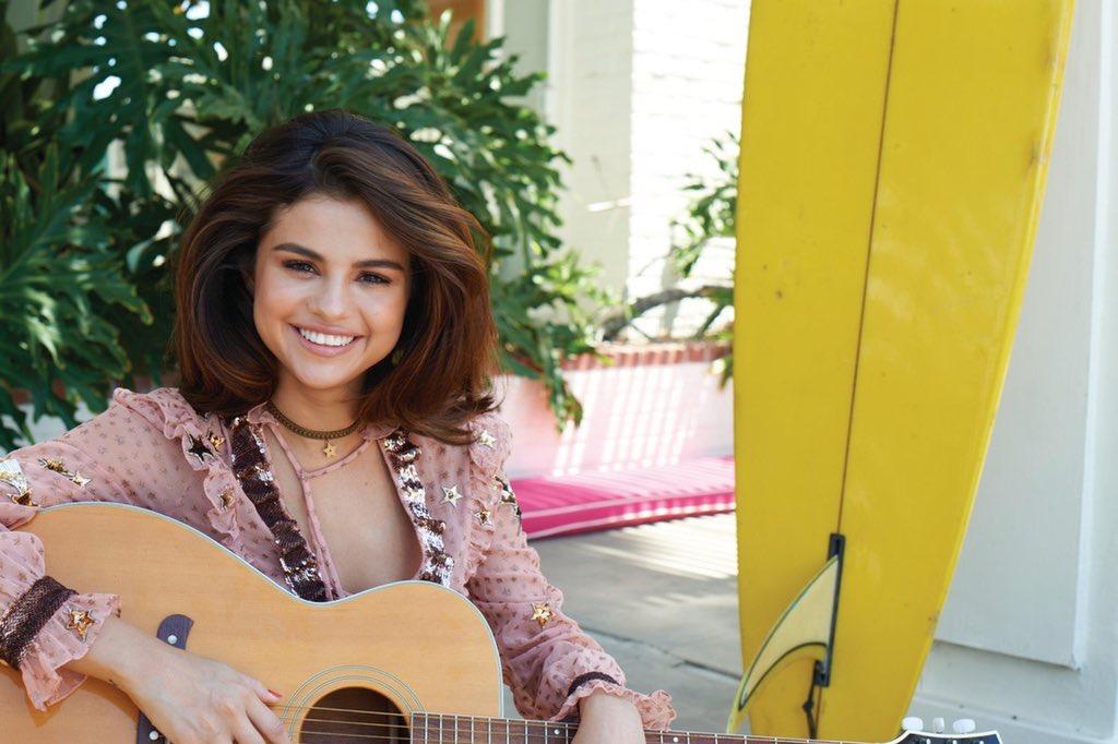 Selena Gomez Sexy 0072