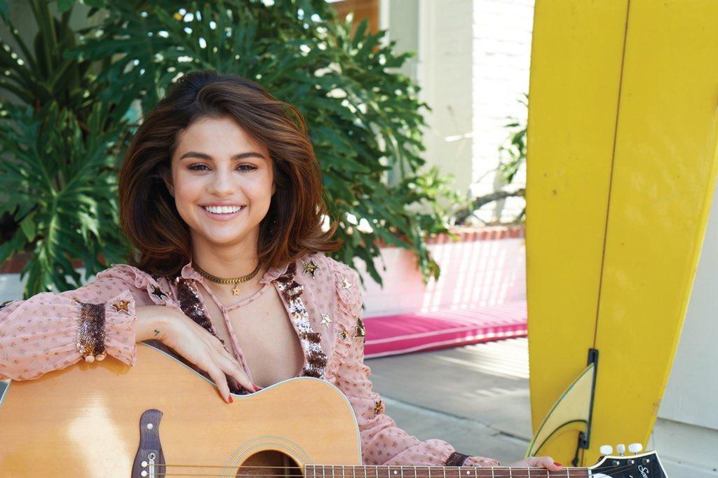 Selena Gomez Sexy 0073