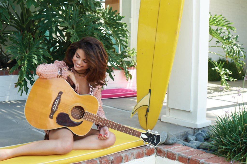 Selena Gomez Sexy 0074