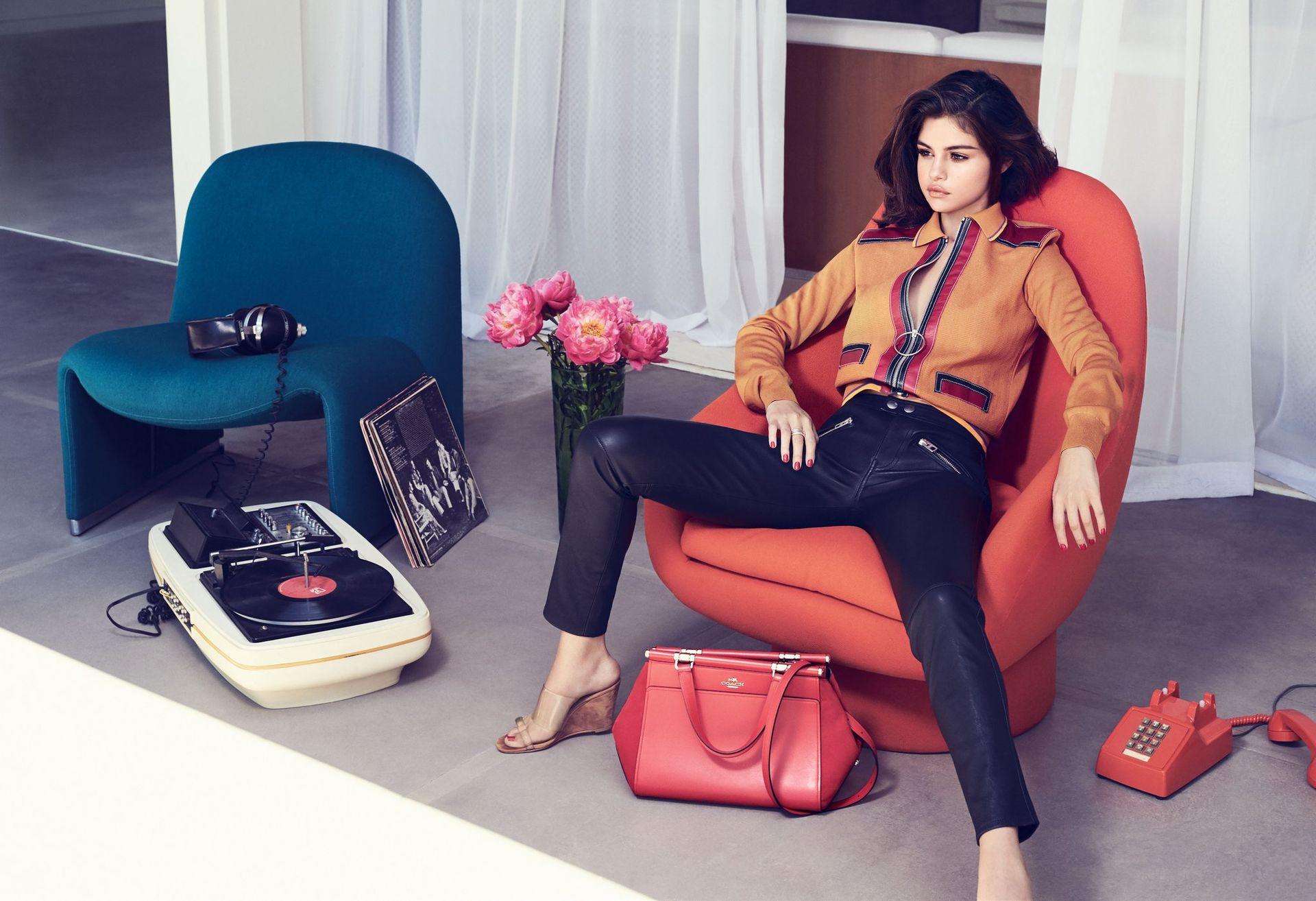 Selena Gomez Sexy 0082