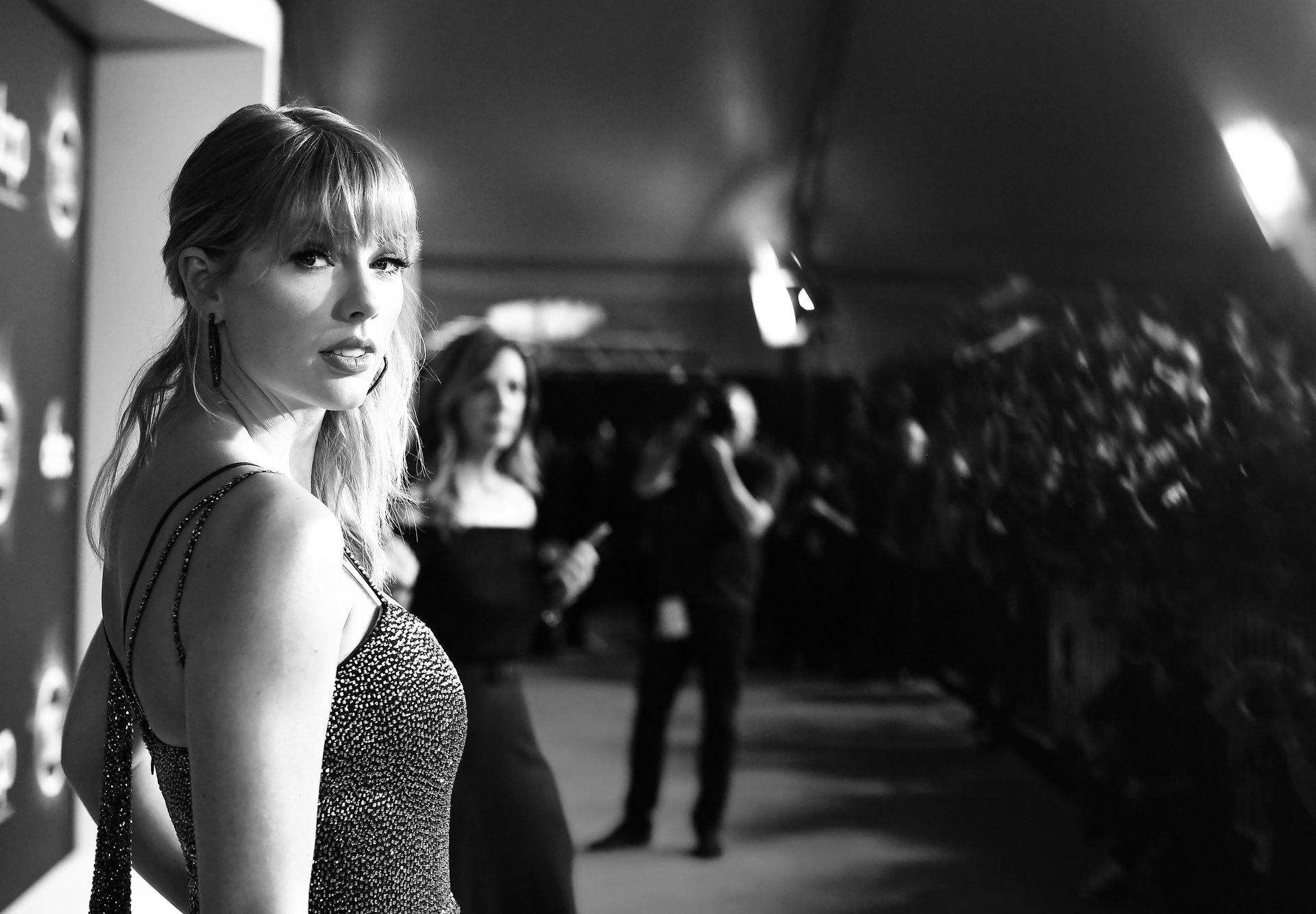 Taylor Swift Sexy 0002