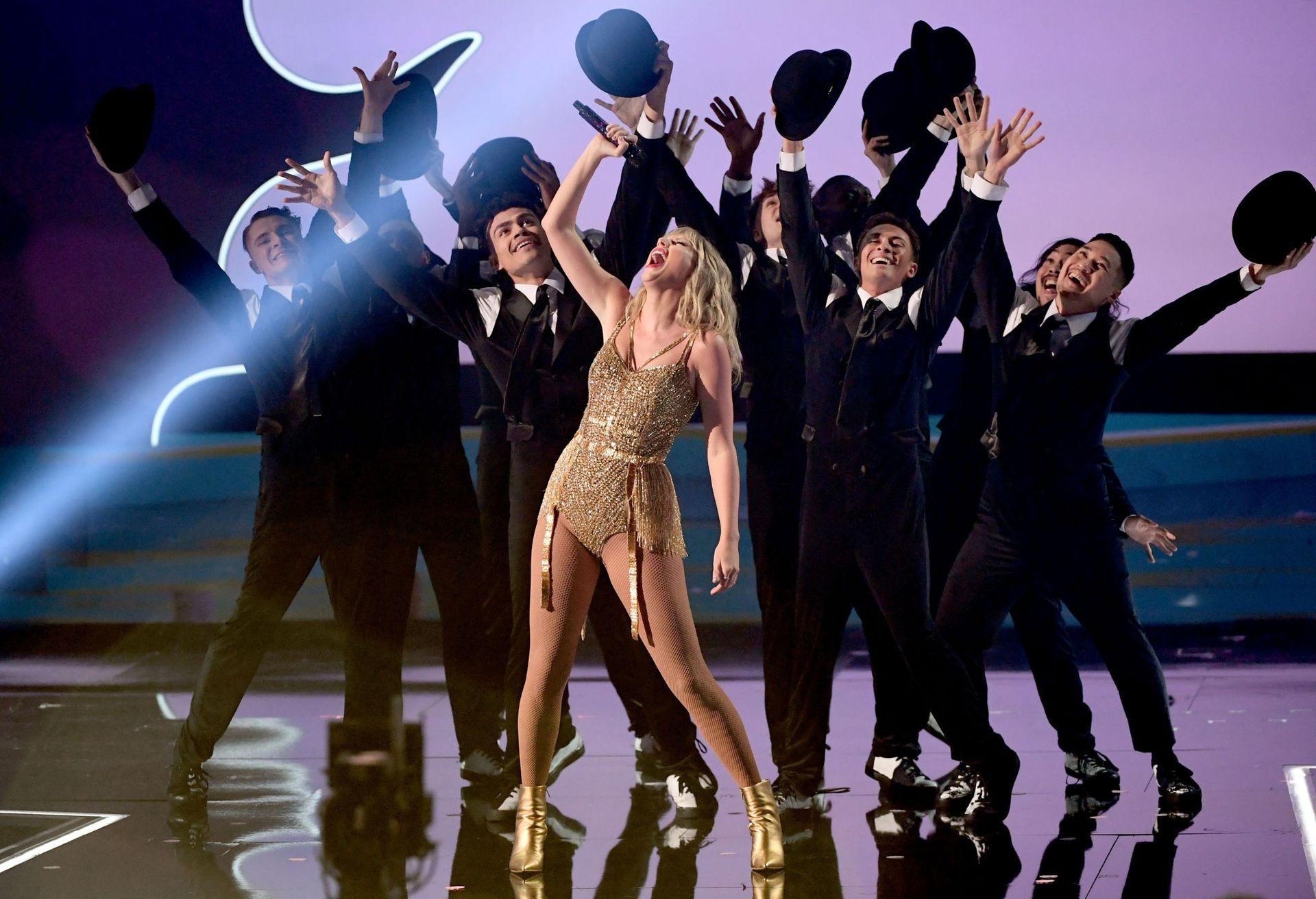 Taylor Swift Sexy 0004