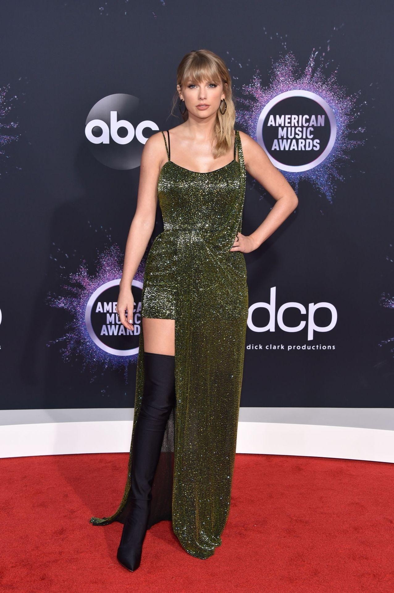 Taylor Swift Sexy 0008