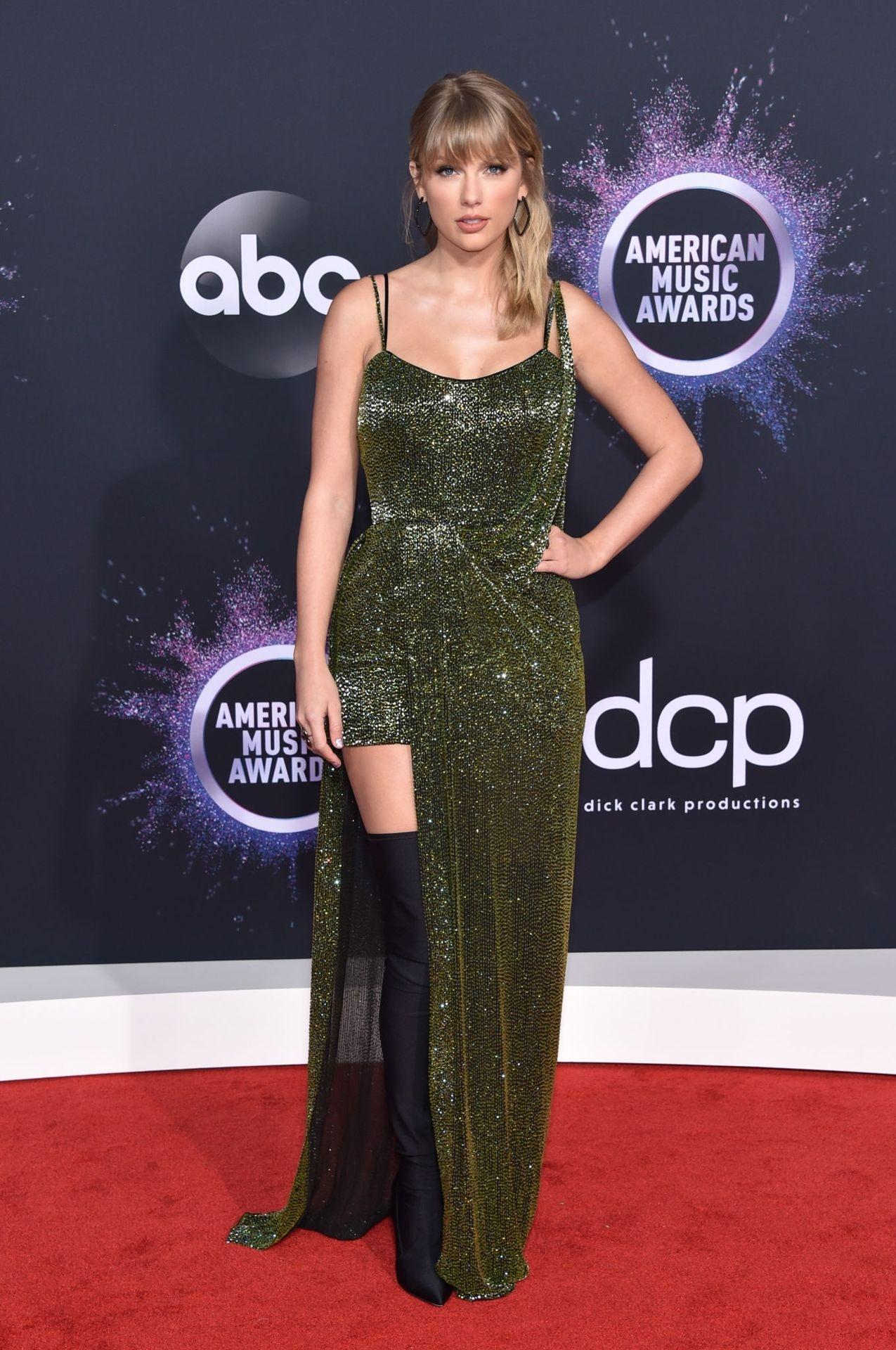 Taylor Swift Sexy 0009