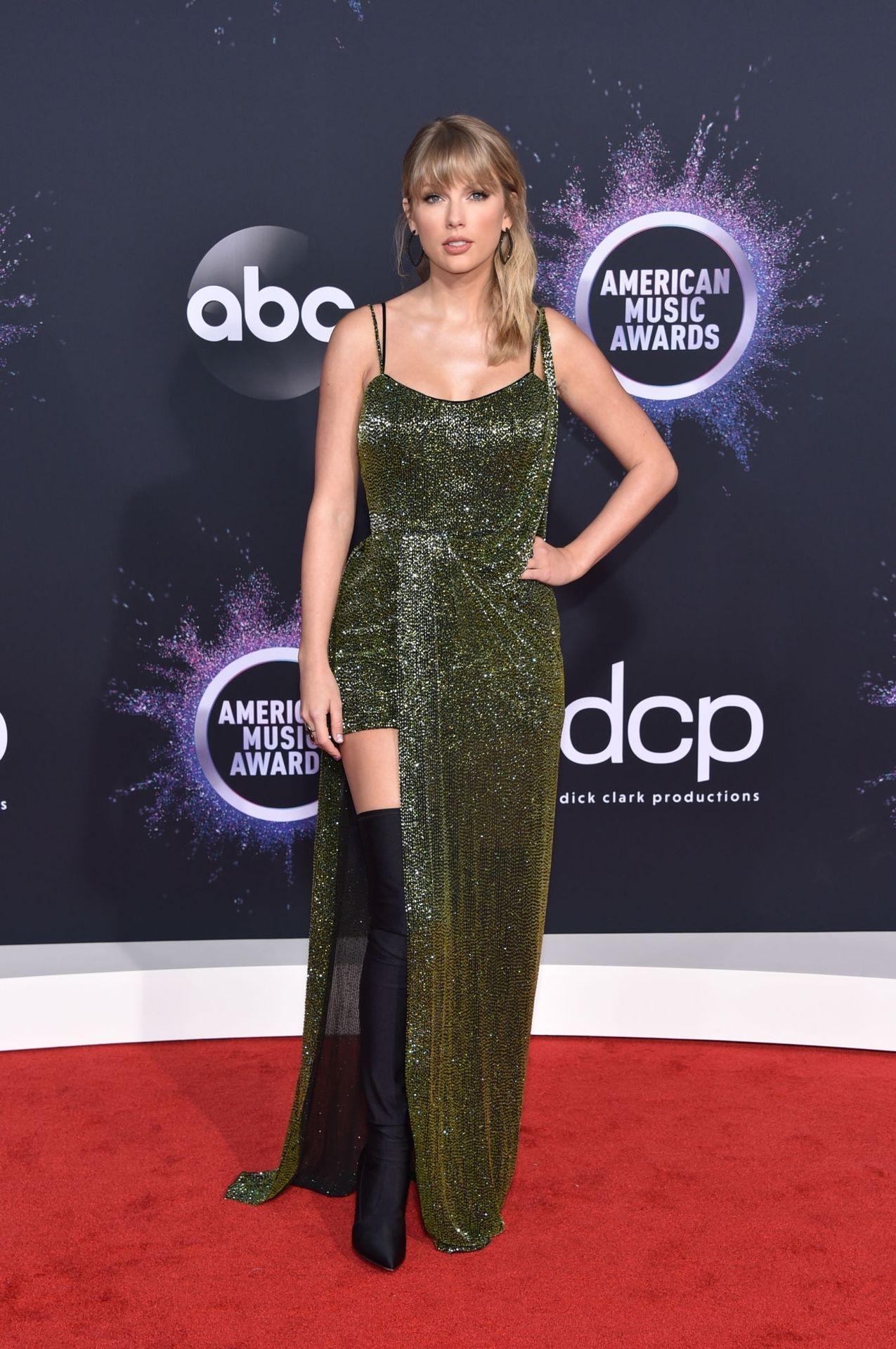 Taylor Swift Sexy 0010