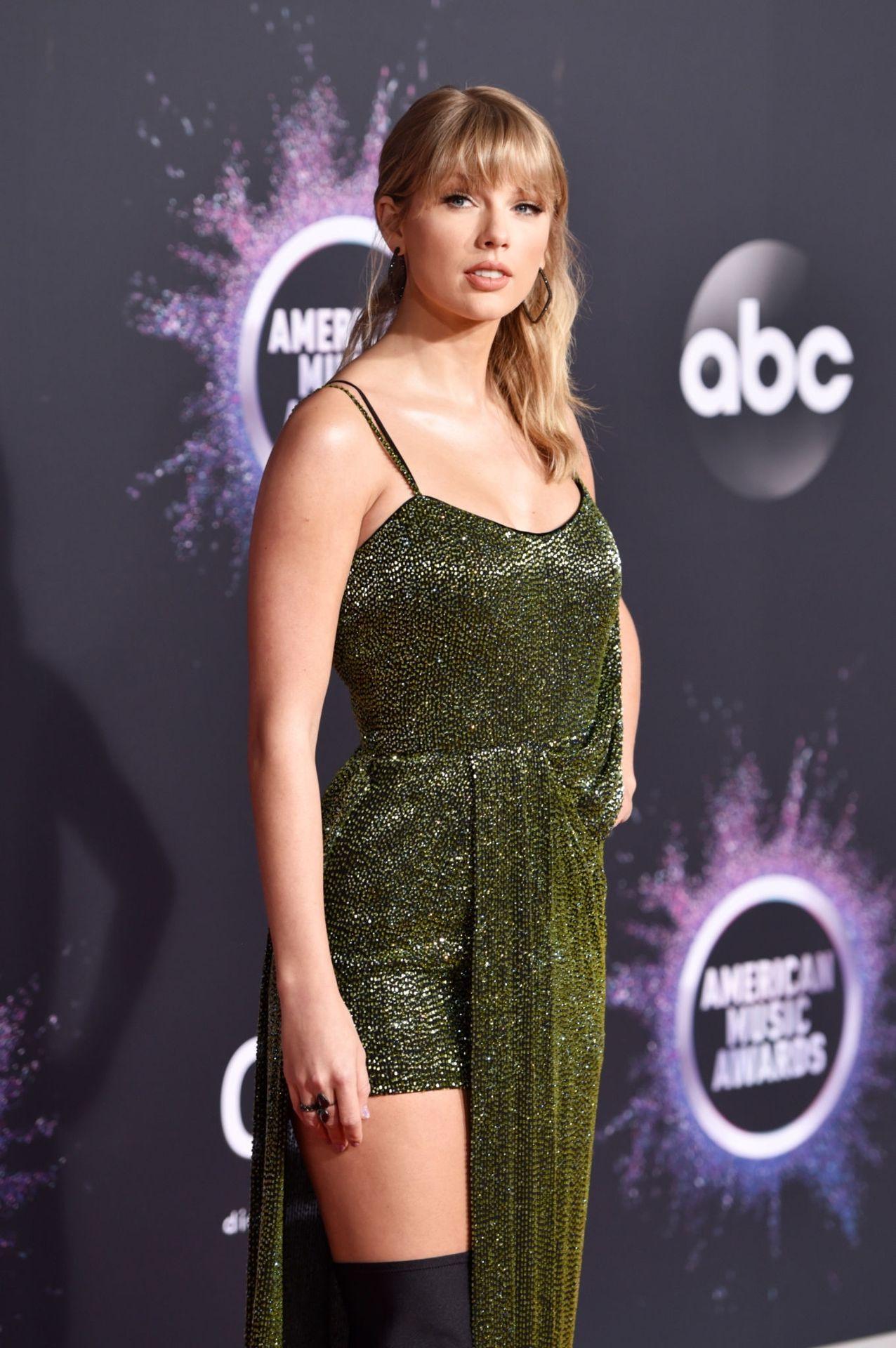 Taylor Swift Sexy 0015