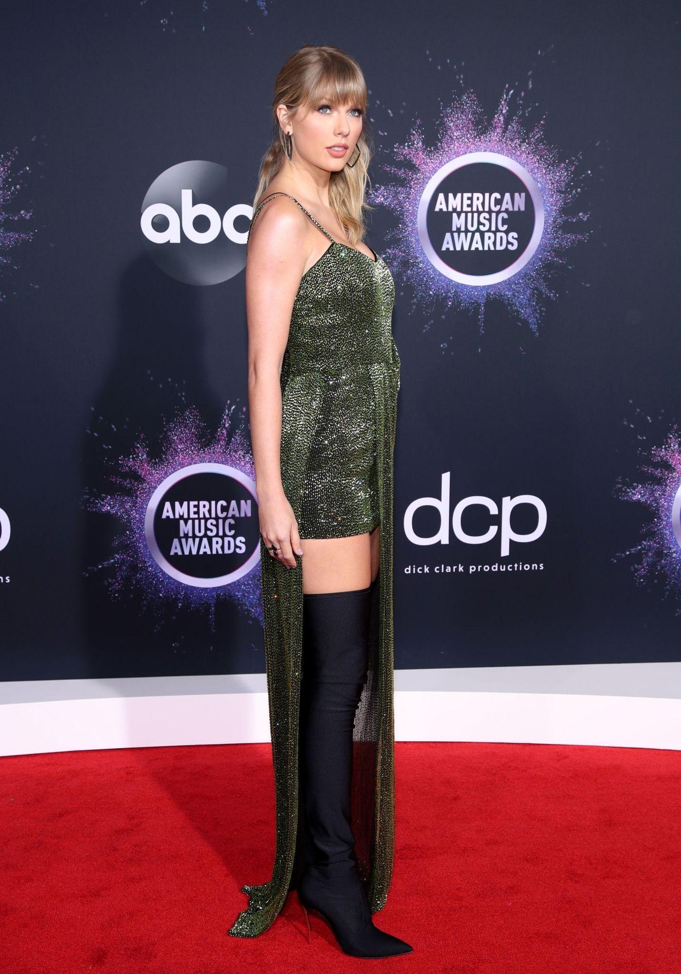 Taylor Swift Sexy 0020