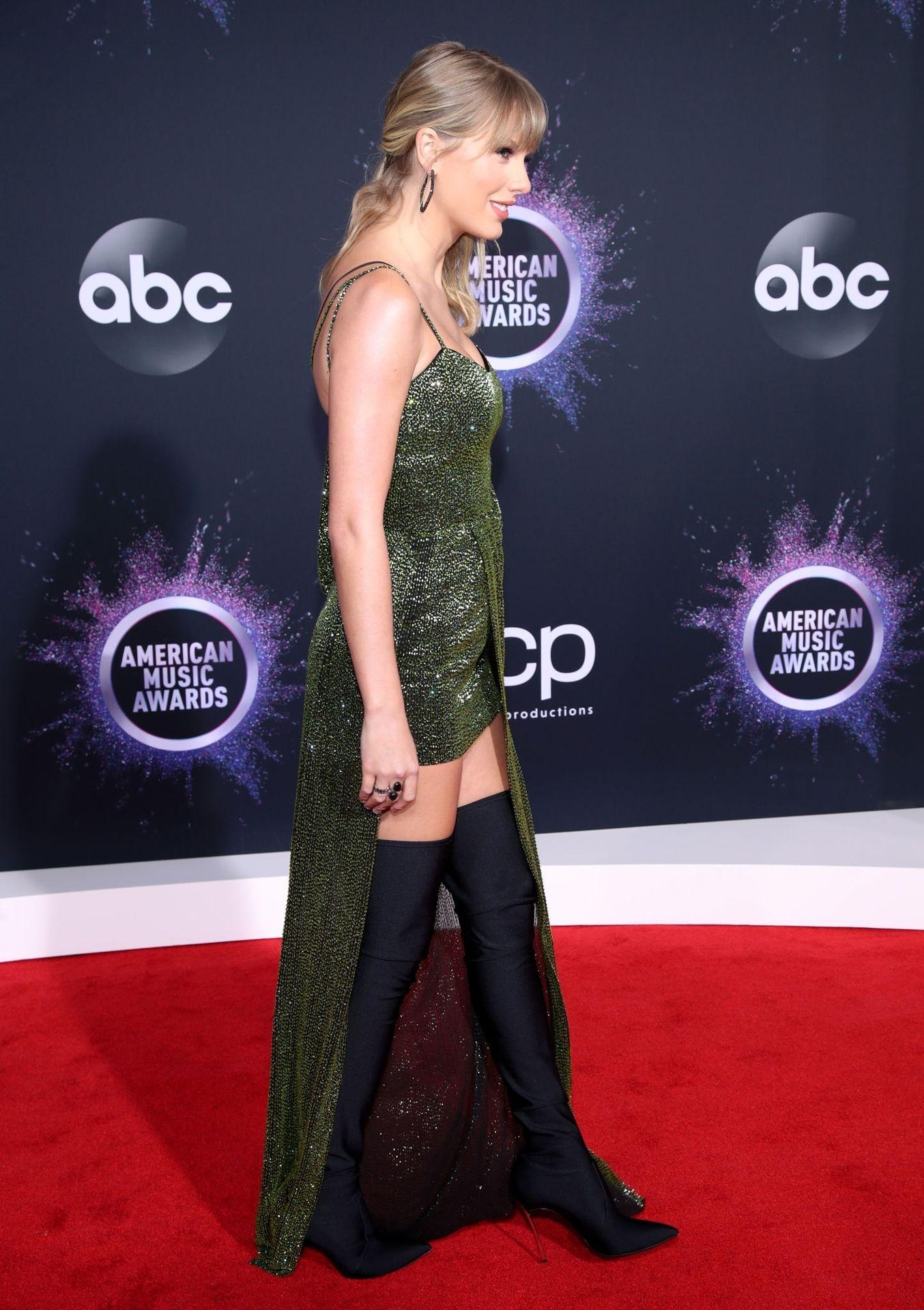 Taylor Swift Sexy 0026