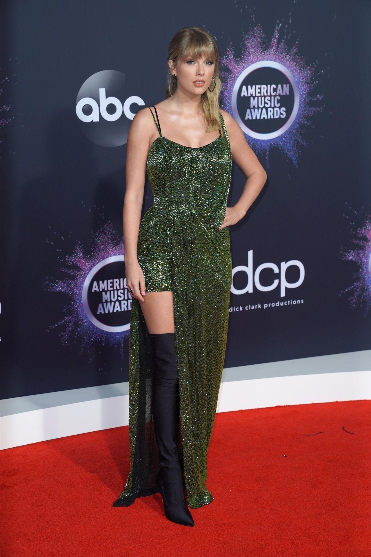 Taylor Swift Sexy 0076
