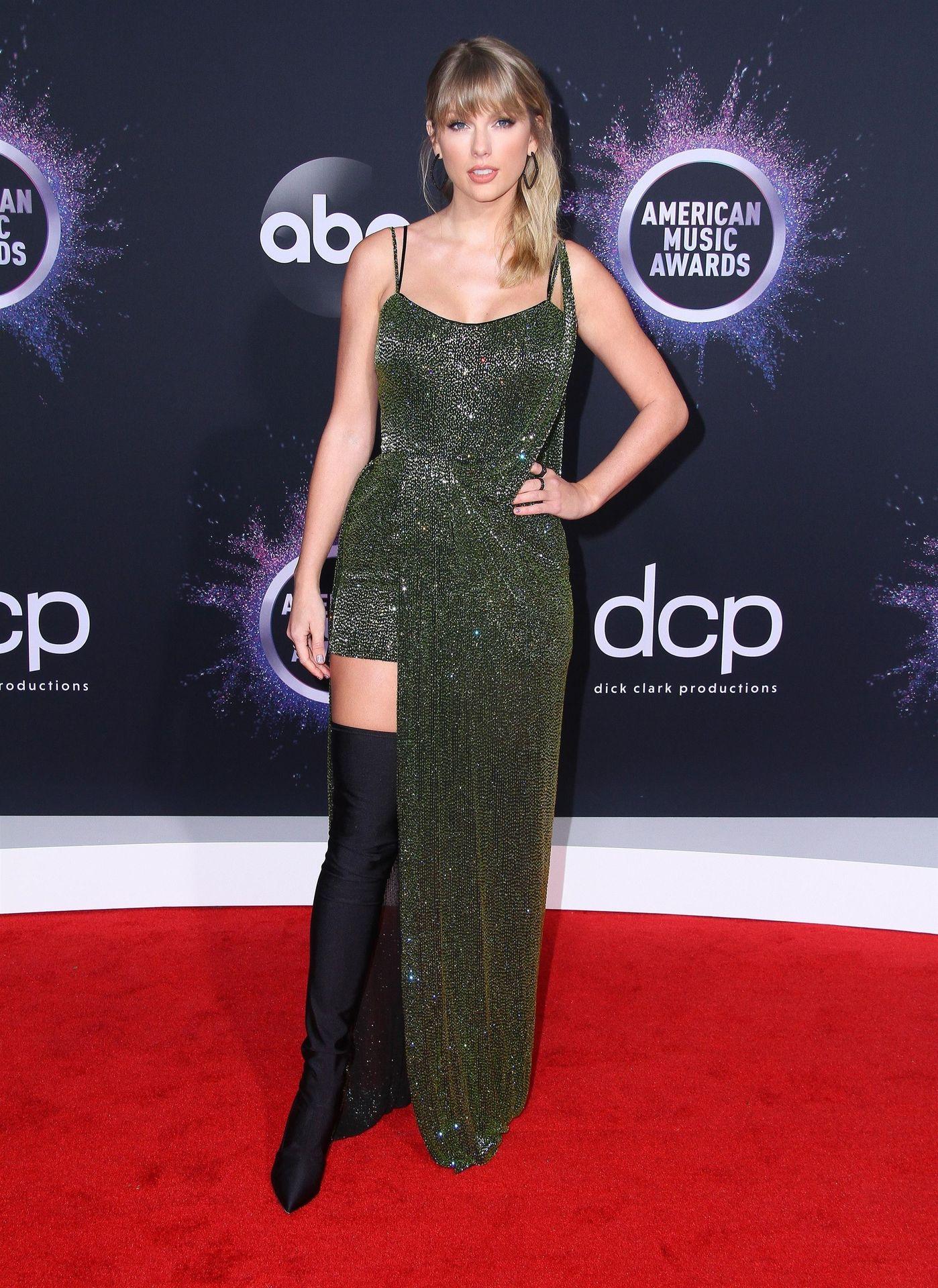 Taylor Swift Sexy 0082