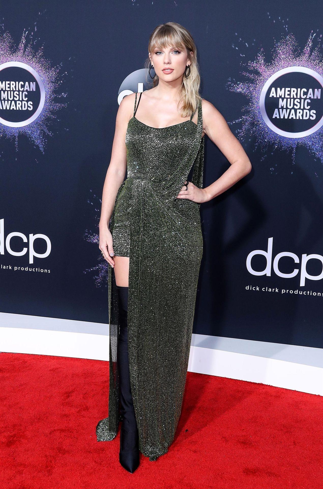 Taylor Swift Sexy 0083