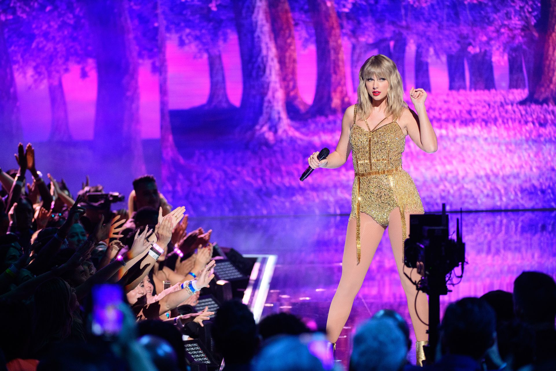 Taylor Swift Sexy 0100