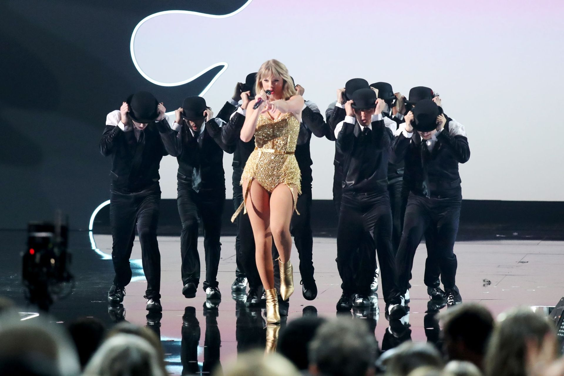 Taylor Swift Sexy 0115