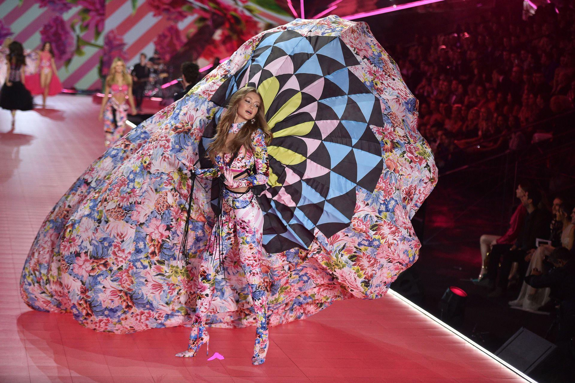 Victoria's Secret Cancels Must See Fashion Show 0016