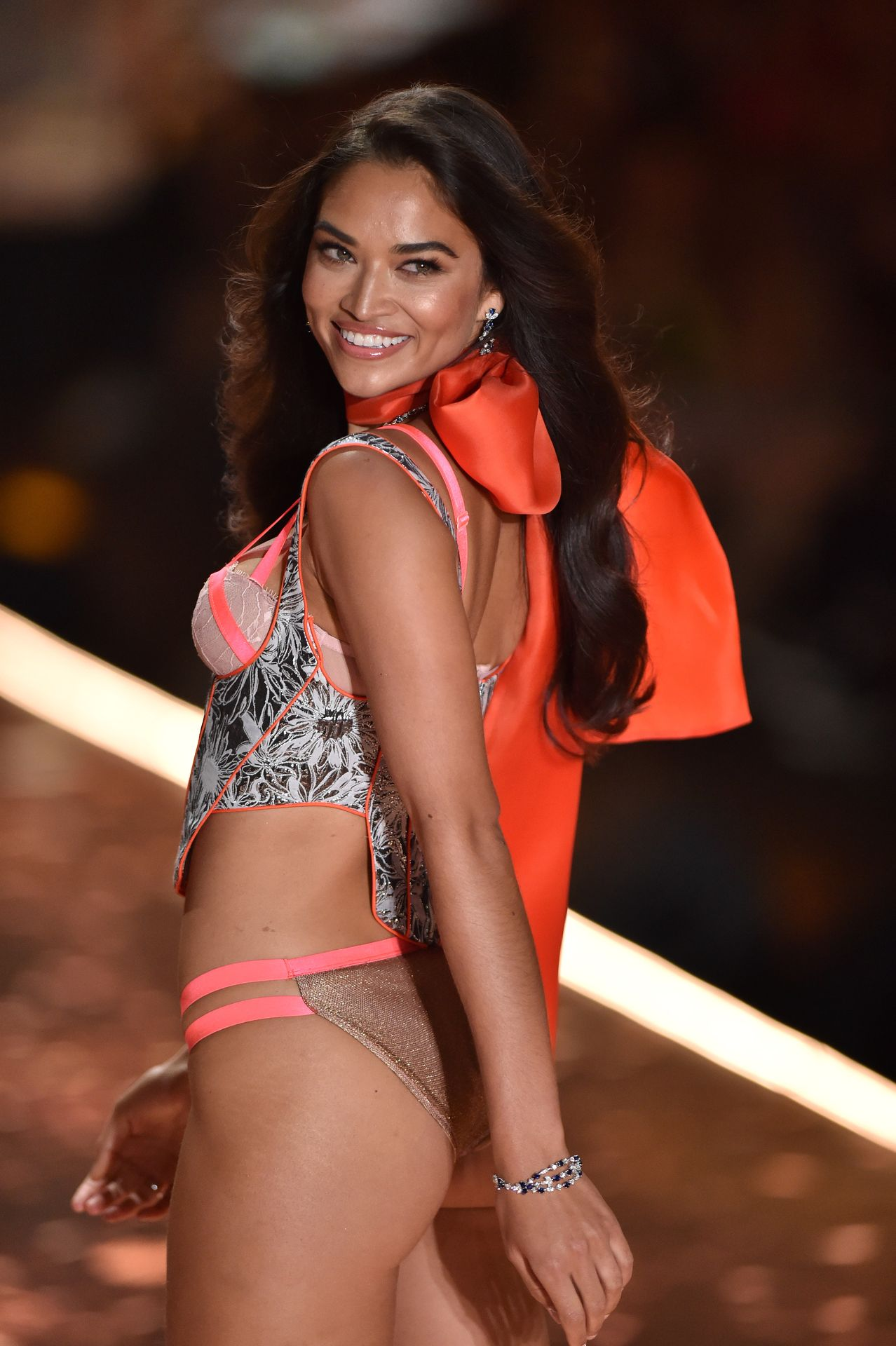 Victoria's Secret Cancels Must See Fashion Show 0018