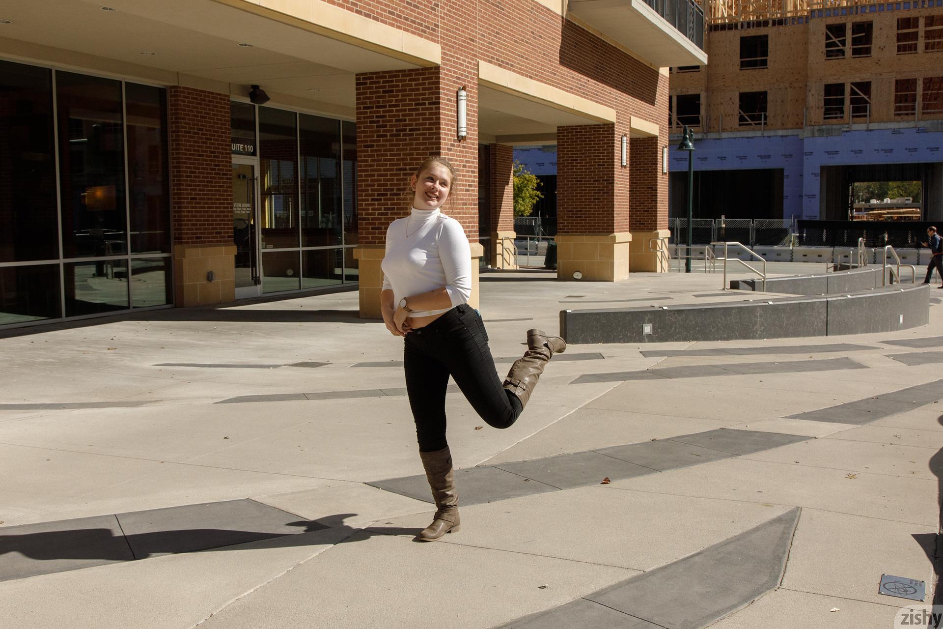 Fawn Richfield At Chapel Hill Zishy (5)