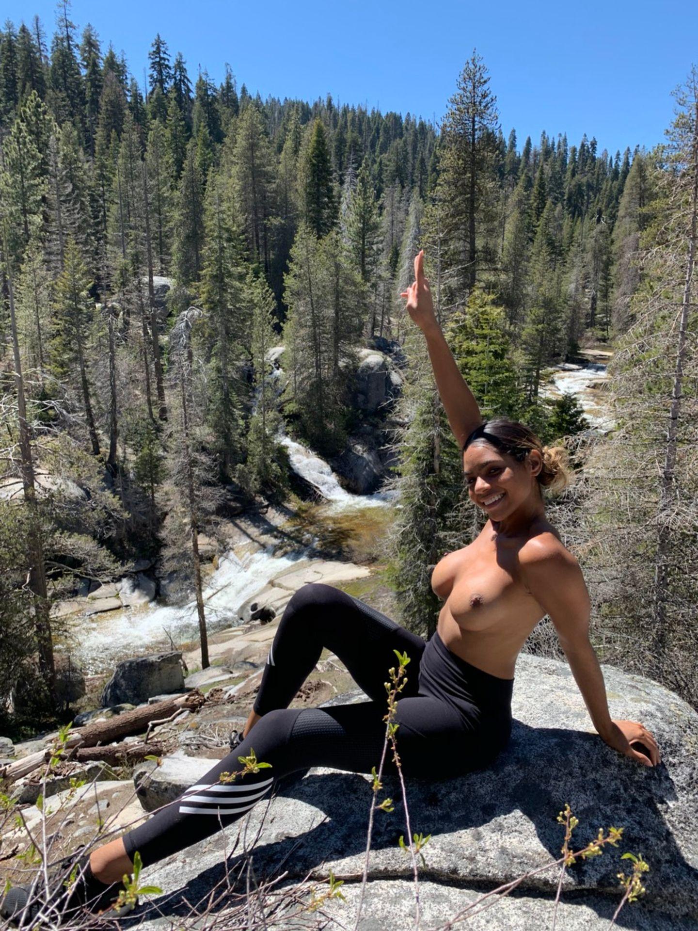 Helayna Marie Nude & Sexy 0012