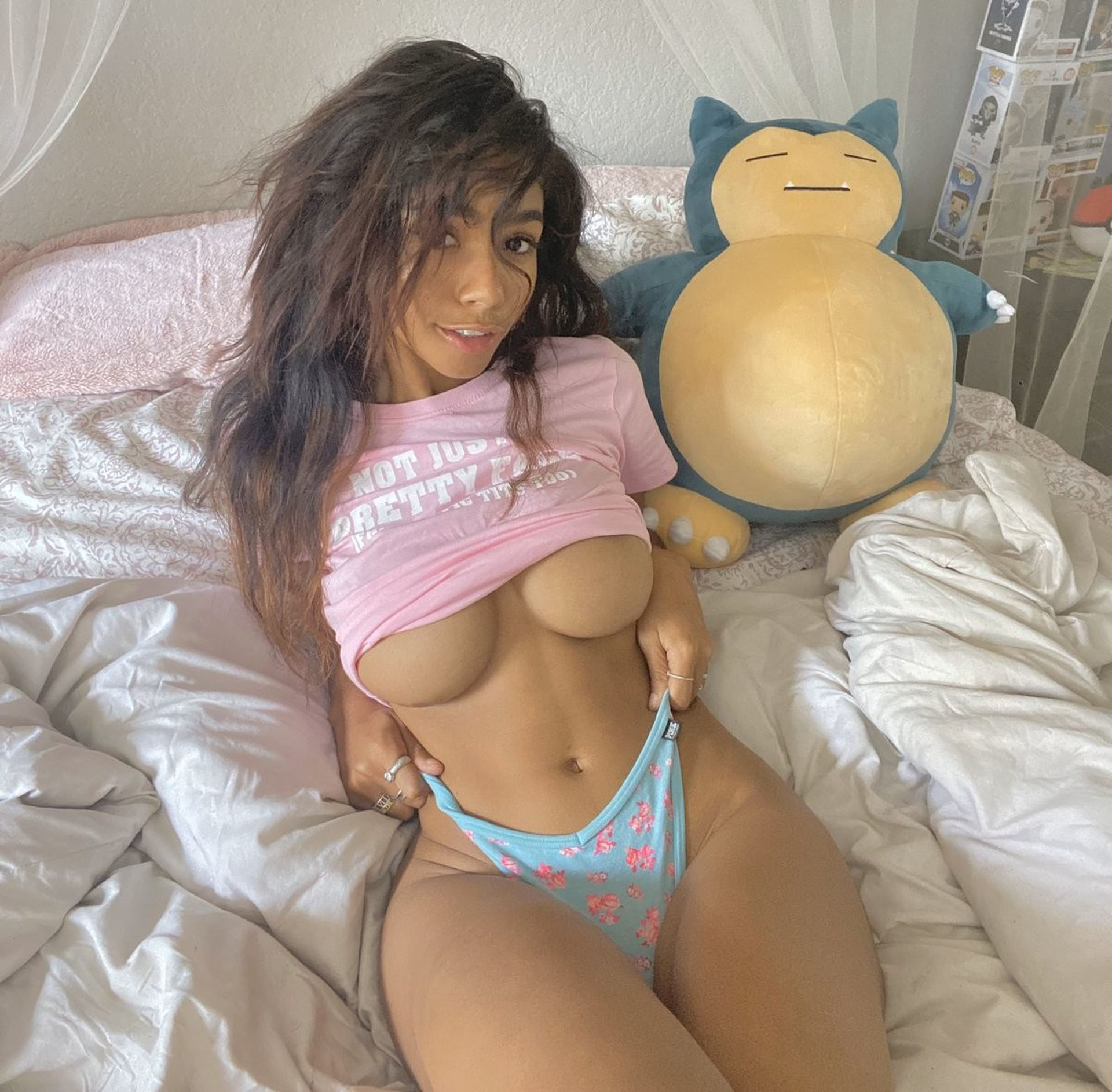 Helayna Marie Nude & Sexy 0032