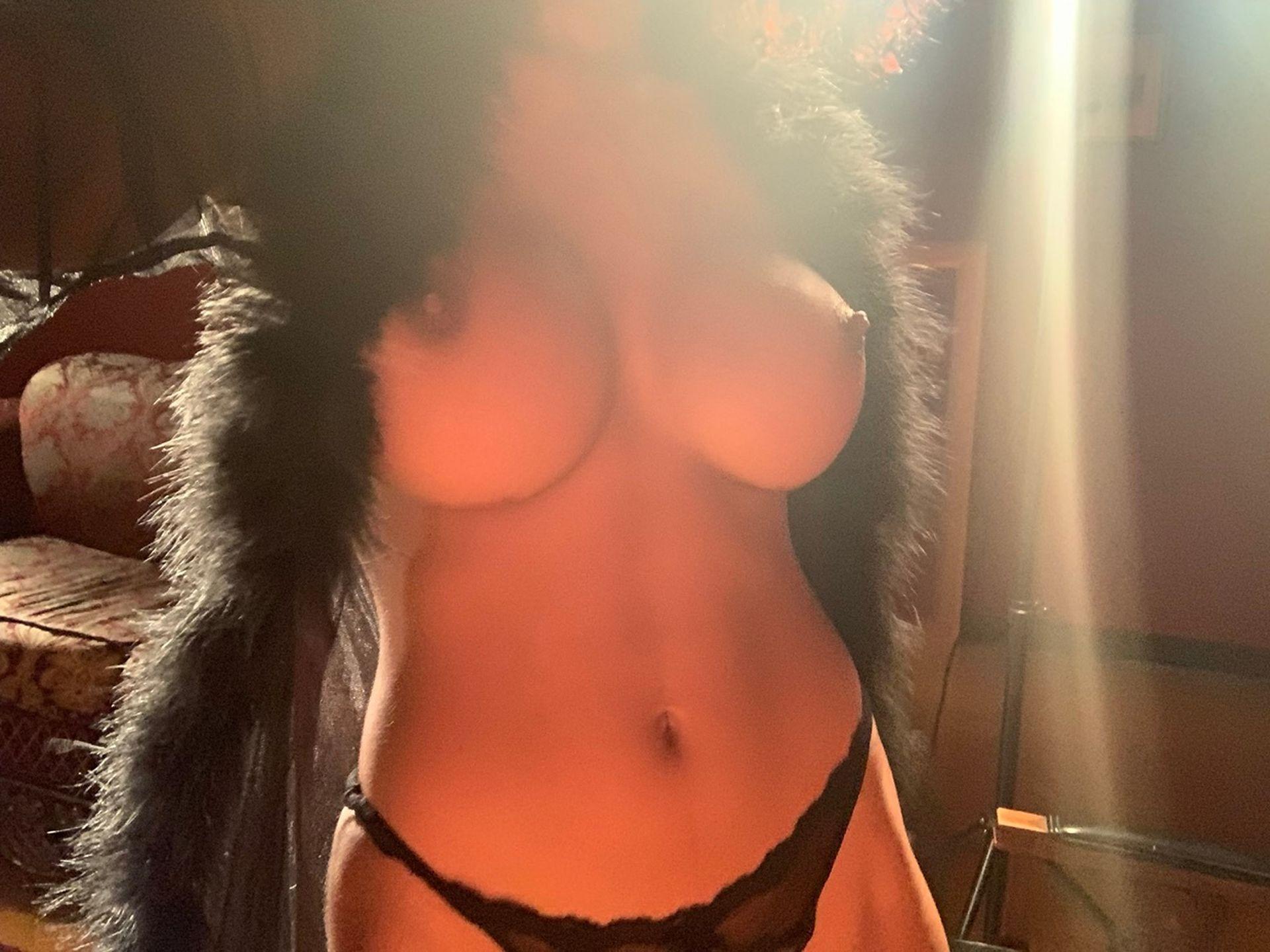 Helayna Marie Nude & Sexy 0063