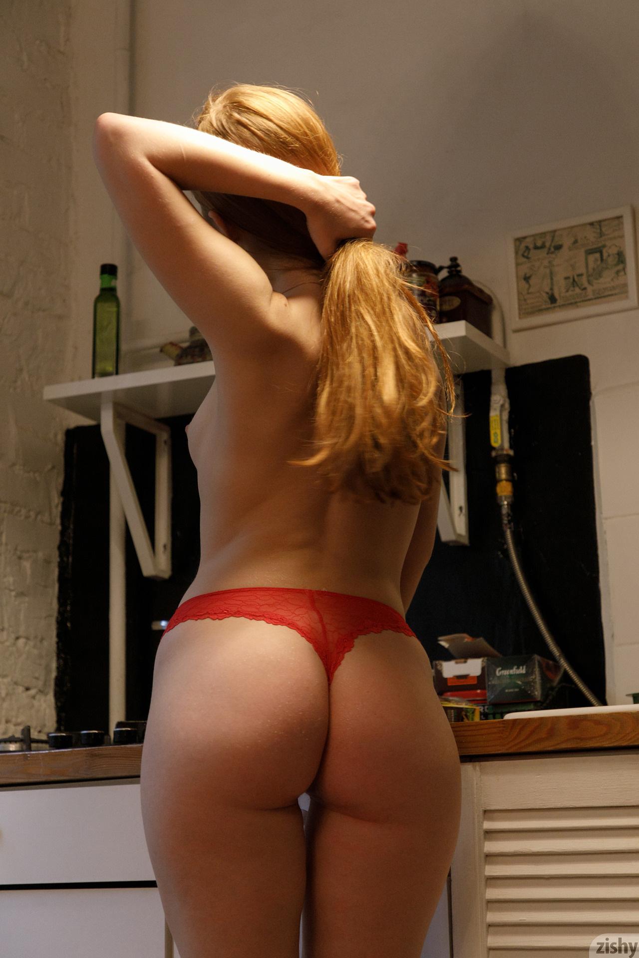 Jia Lissa Russians Love Tea Zishy (21)