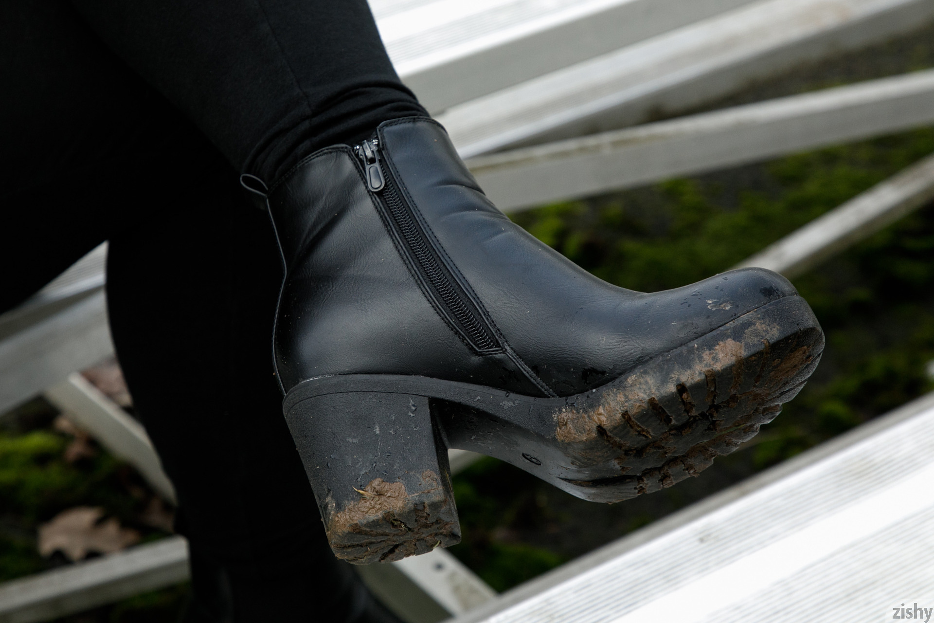 Rose Fessenden Muddy Boot Syndrome Zishy (29)