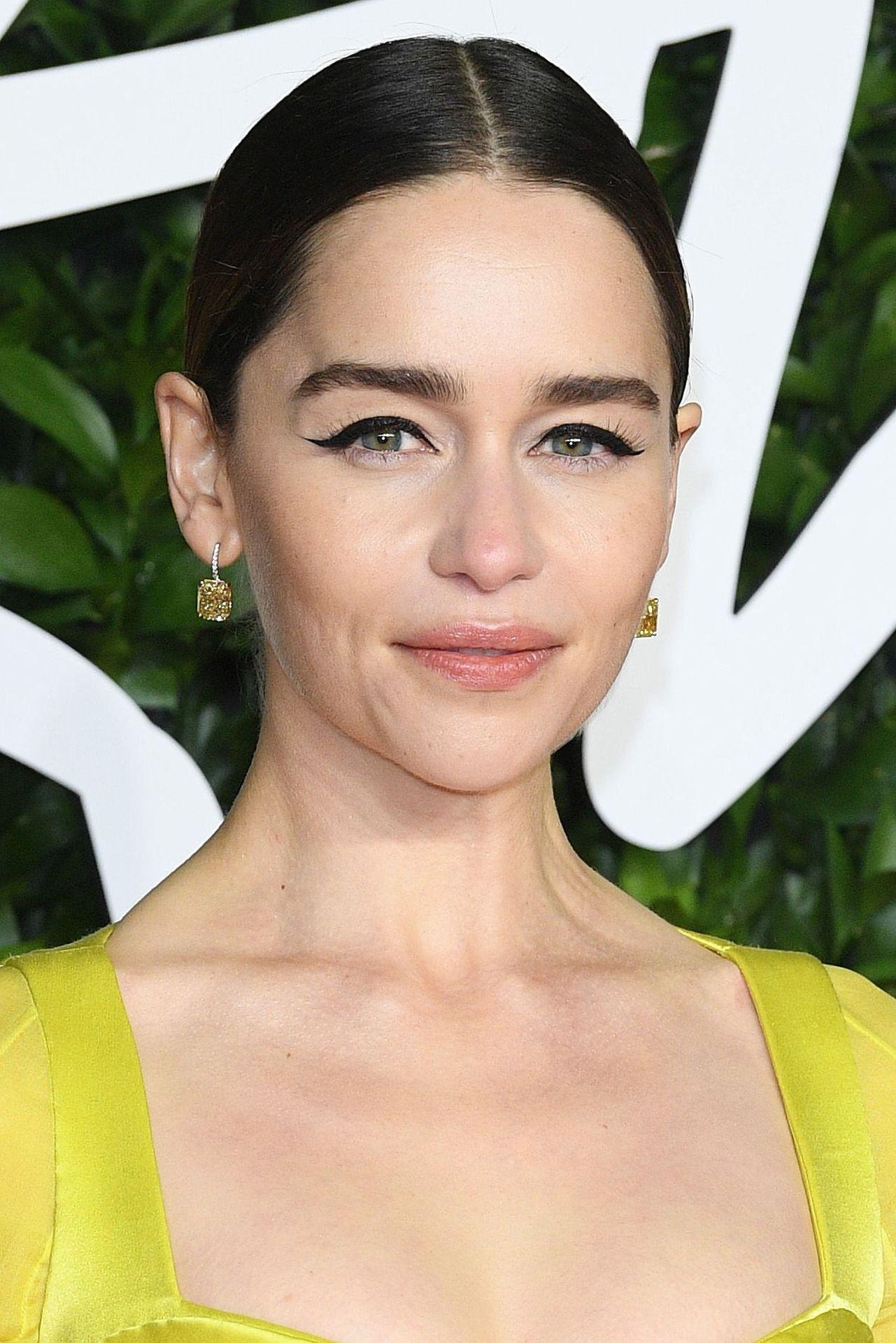Emilia Clarke Sexy 0002
