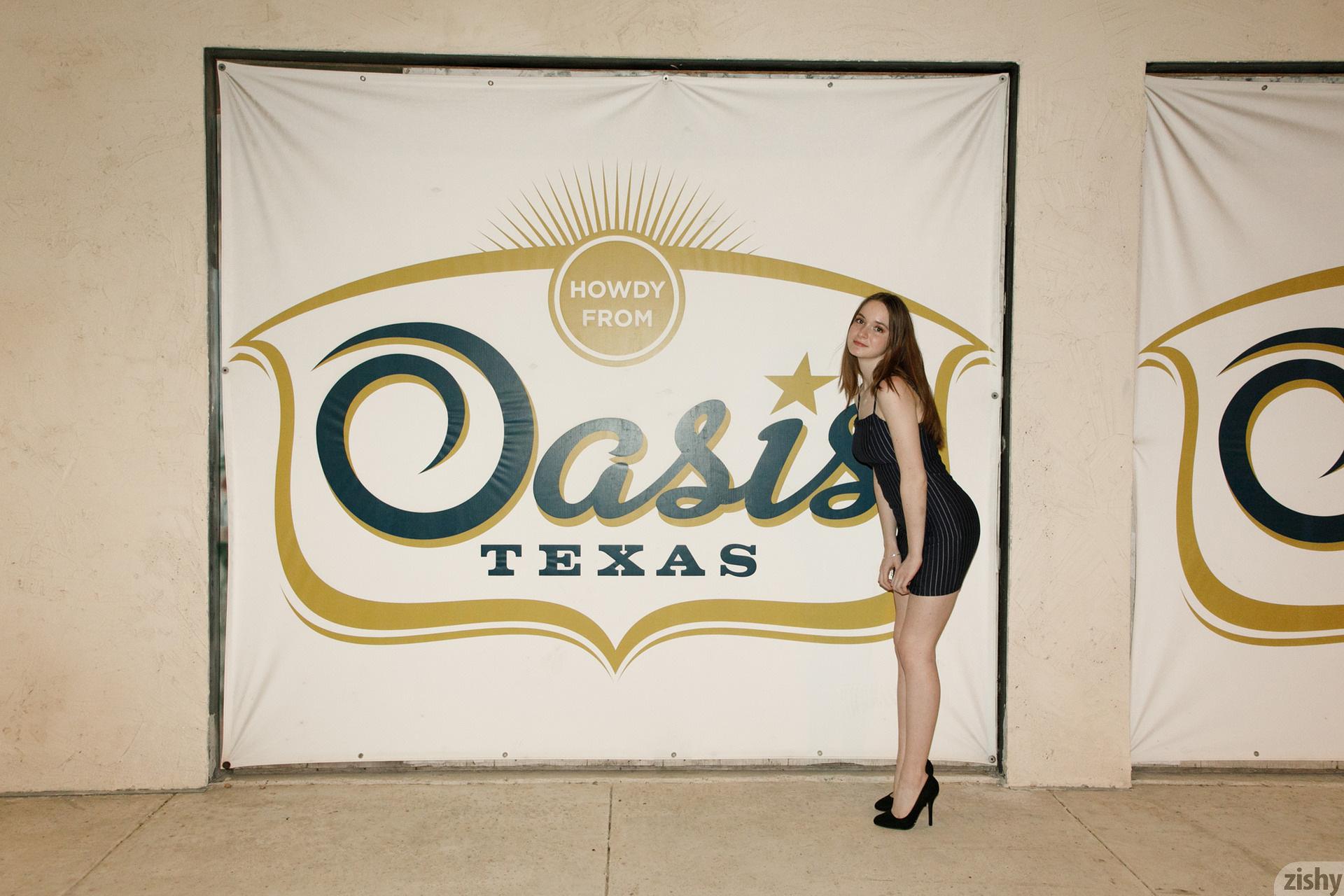Hazel Moore Midnight At The Oasis Zishy (1)