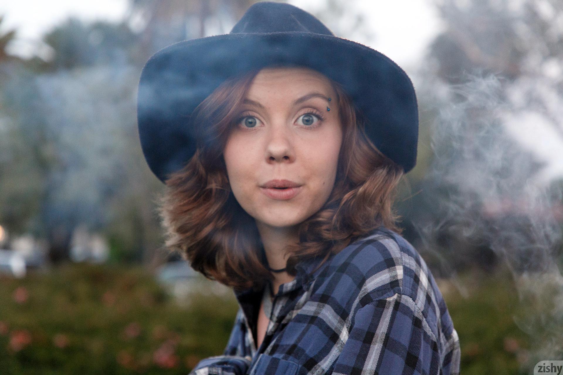 Kayla Coyote Turtles All The Way Down Zishy (41)