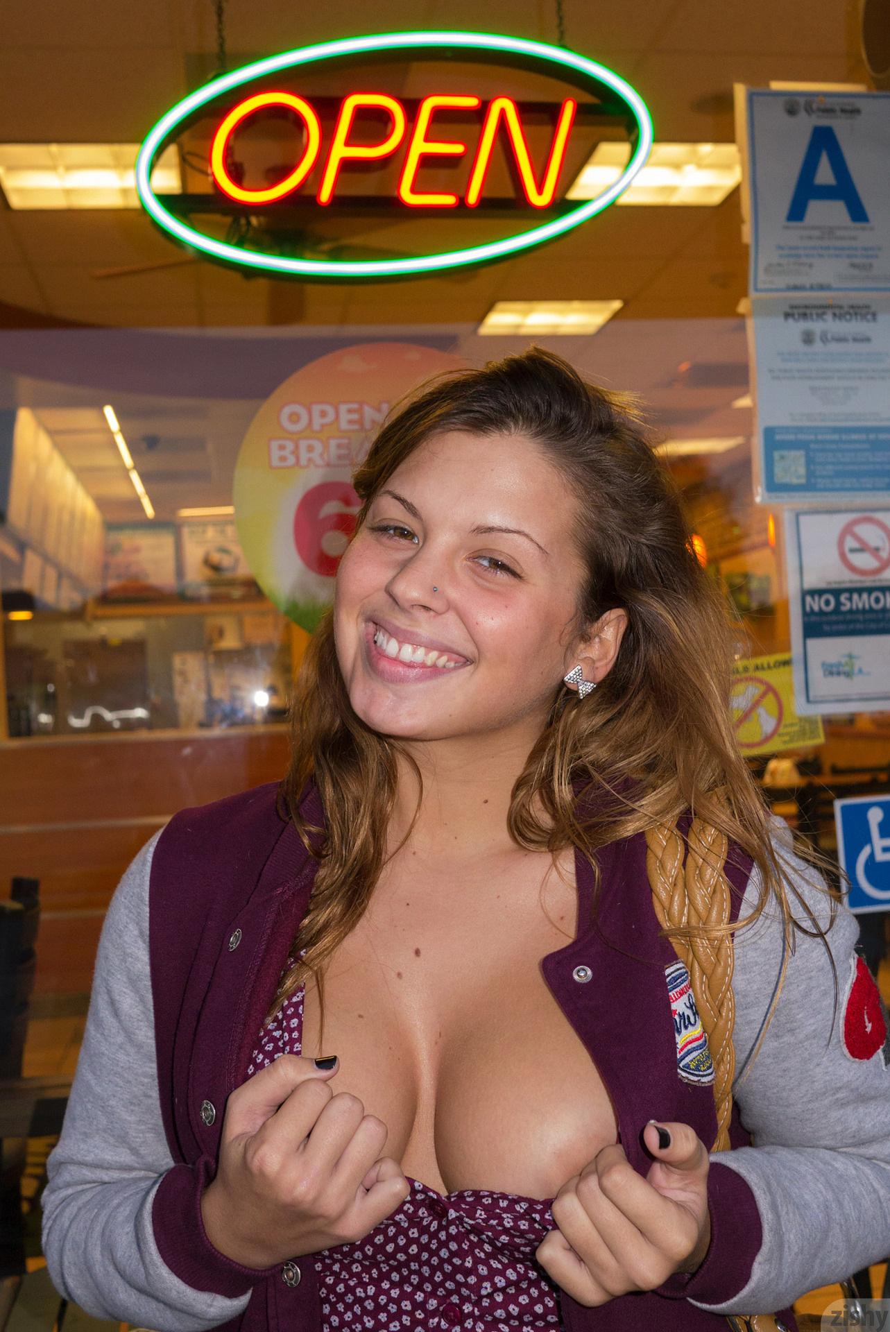 Keisha Grey Worth Every Penny Zishy (23)