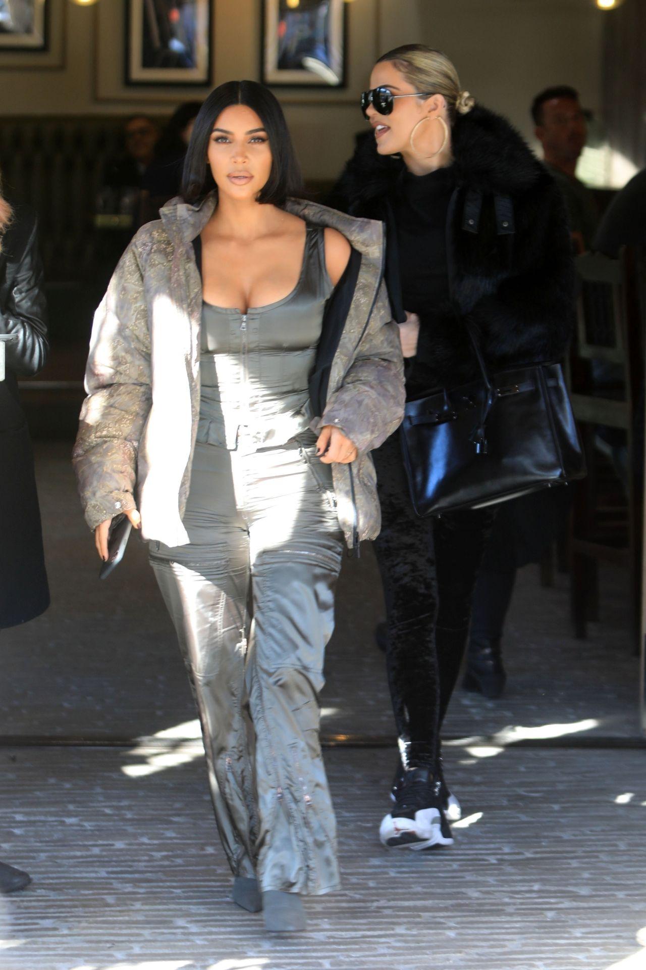 Kim Kardashian Sexy 0091