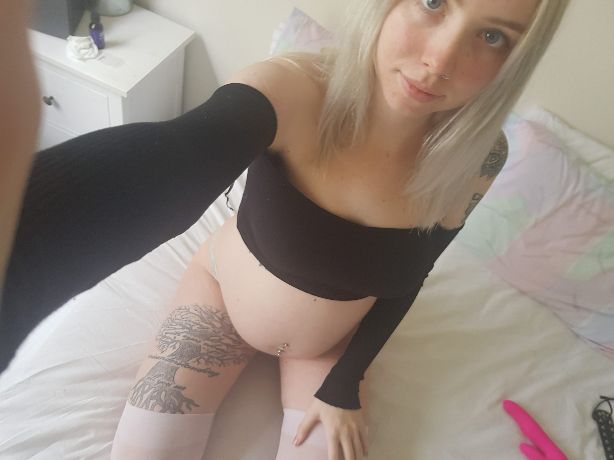 Kittyf Selfie 1 Ersties.com Intimate Moments Angel Like And Penchant For Pain (12)