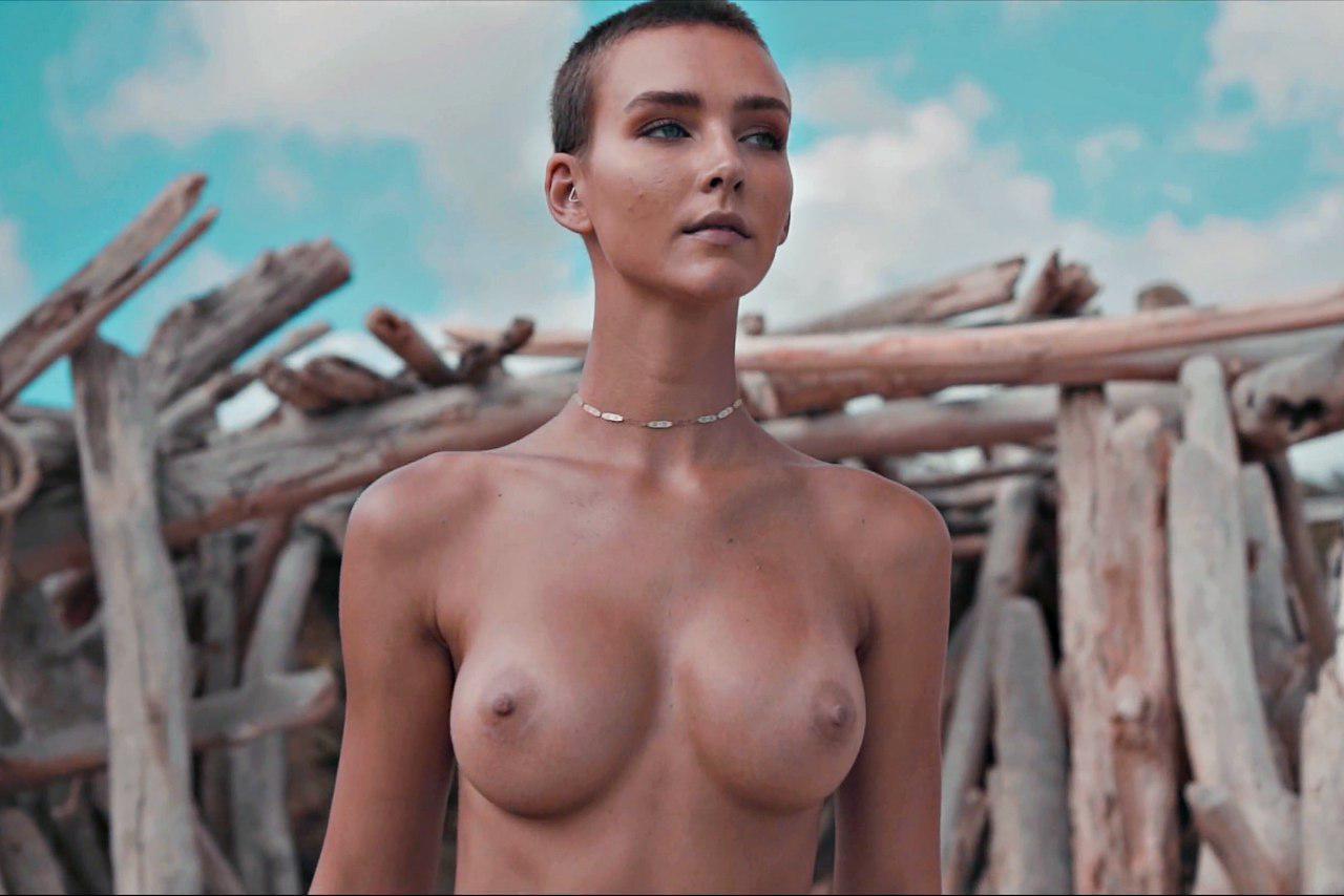 Rachel Cook Nude 0035