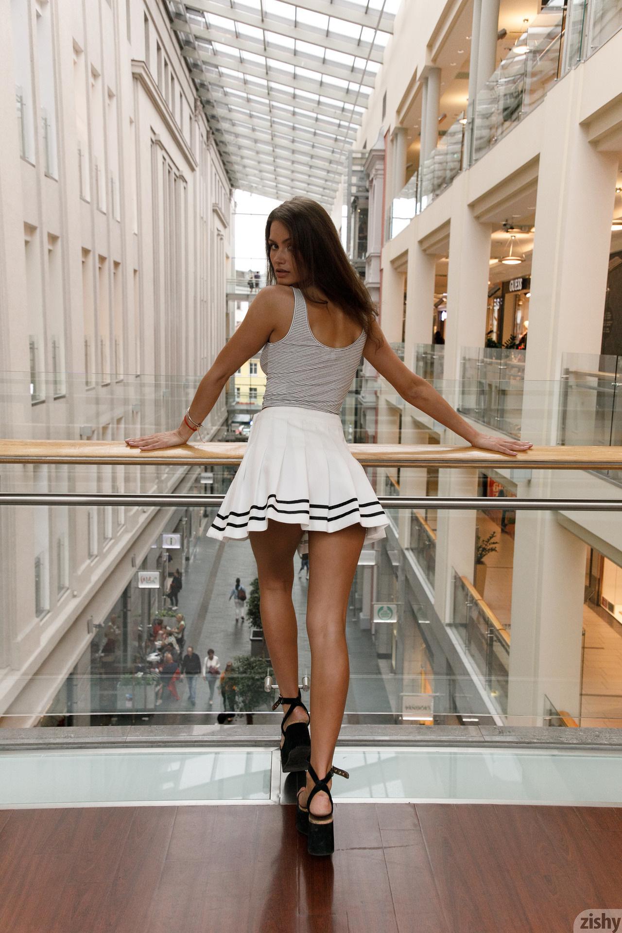 Shyla Volbeck Shopping With The Devil Zishy (52)