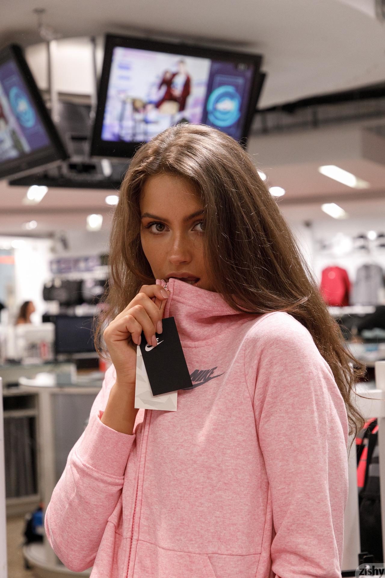 Shyla Volbeck Shopping With The Devil Zishy (65)