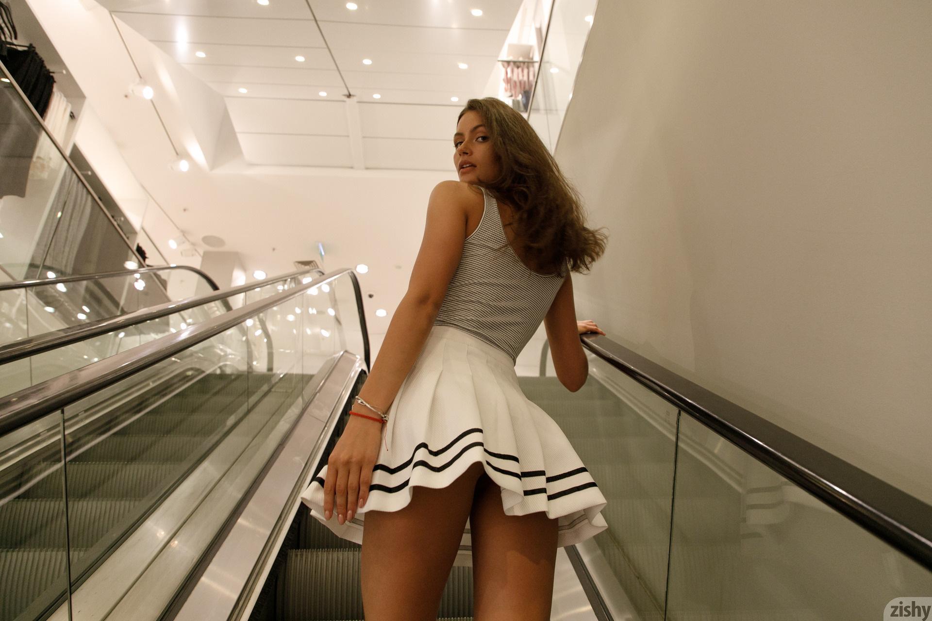 Shyla Volbeck Shopping With The Devil Zishy (7)