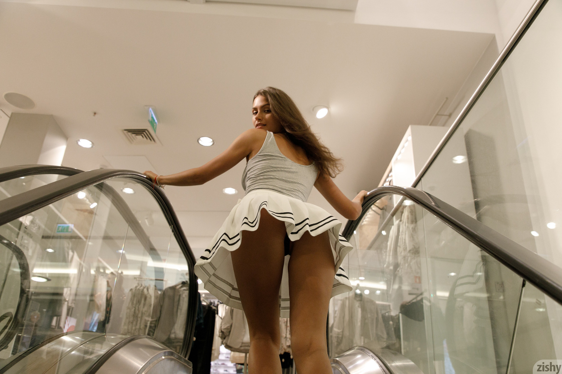 Shyla Volbeck Shopping With The Devil Zishy (8)