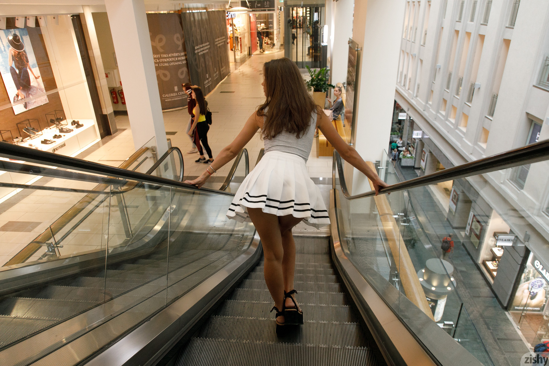Shyla Volbeck Shopping With The Devil Zishy (88)