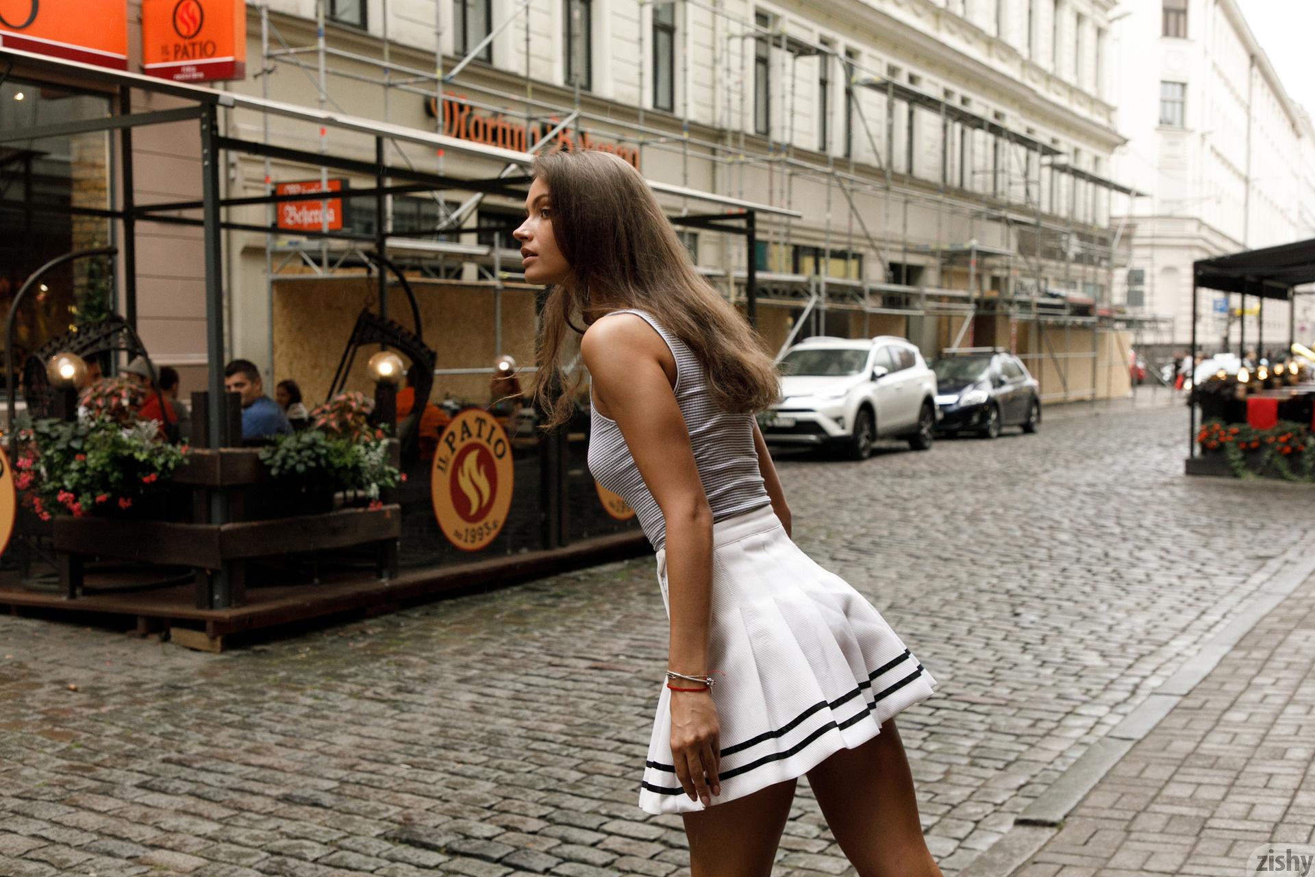 Shyla Volbeck Shopping With The Devil Zishy (90)