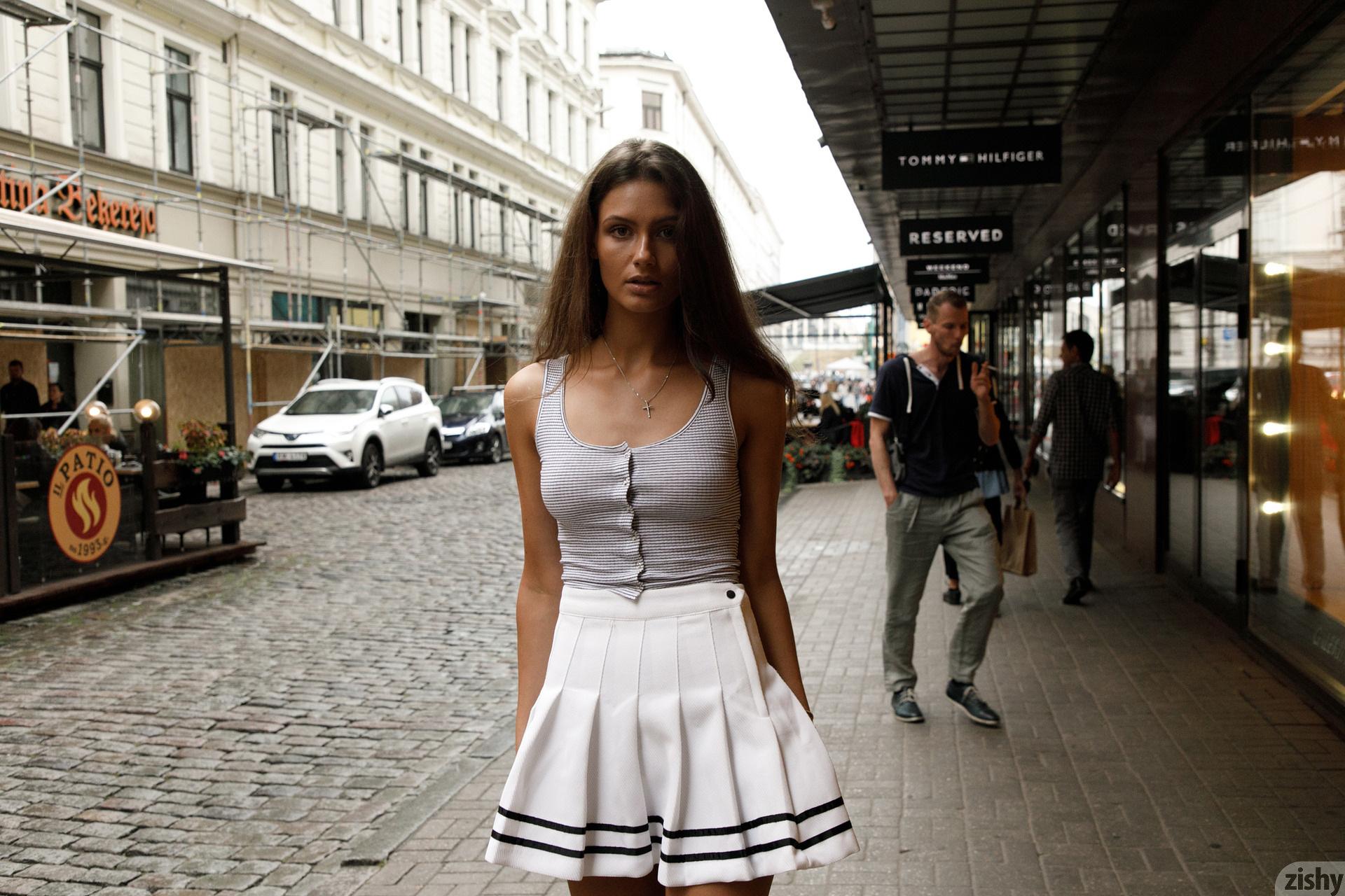 Shyla Volbeck Shopping With The Devil Zishy (91)